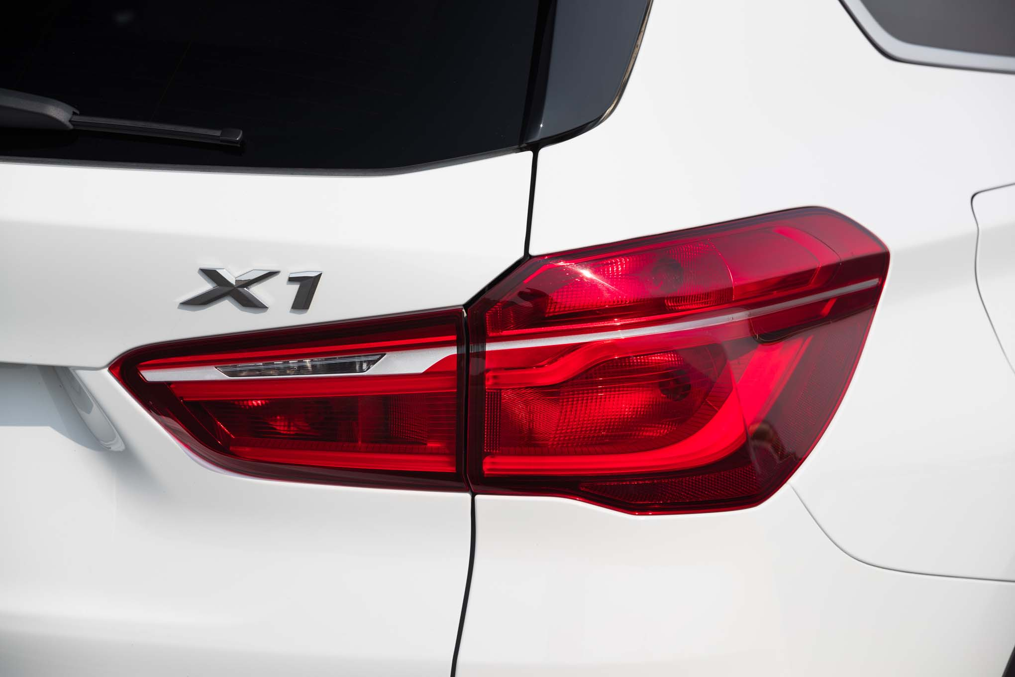2017 BMW X1 XDrive28i Exterior View Taillight (Photo 21 of 23)