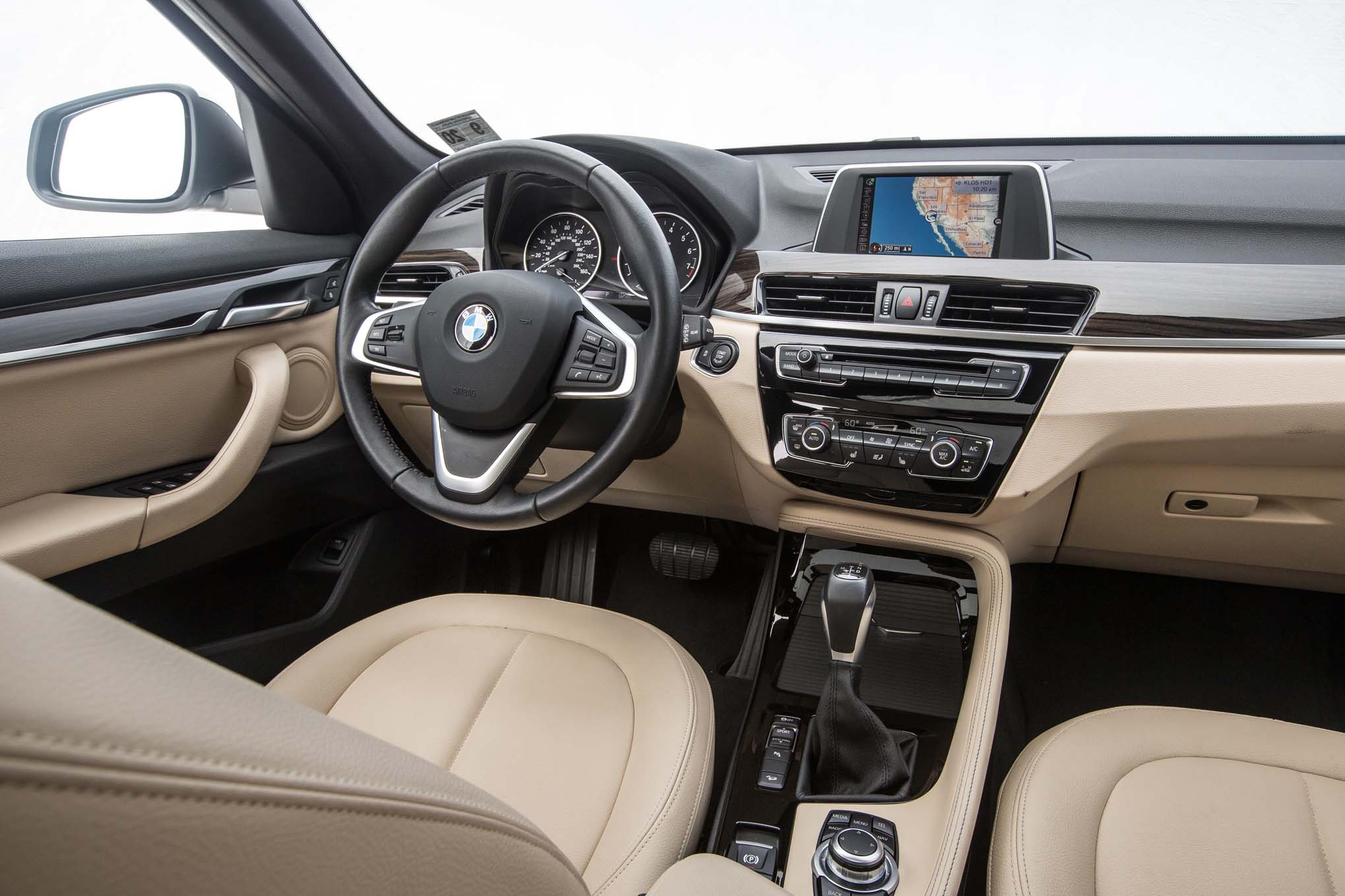 2017 BMW X1 XDrive28i Interior Driver Cockpit And Dash (Photo 10 of 23)