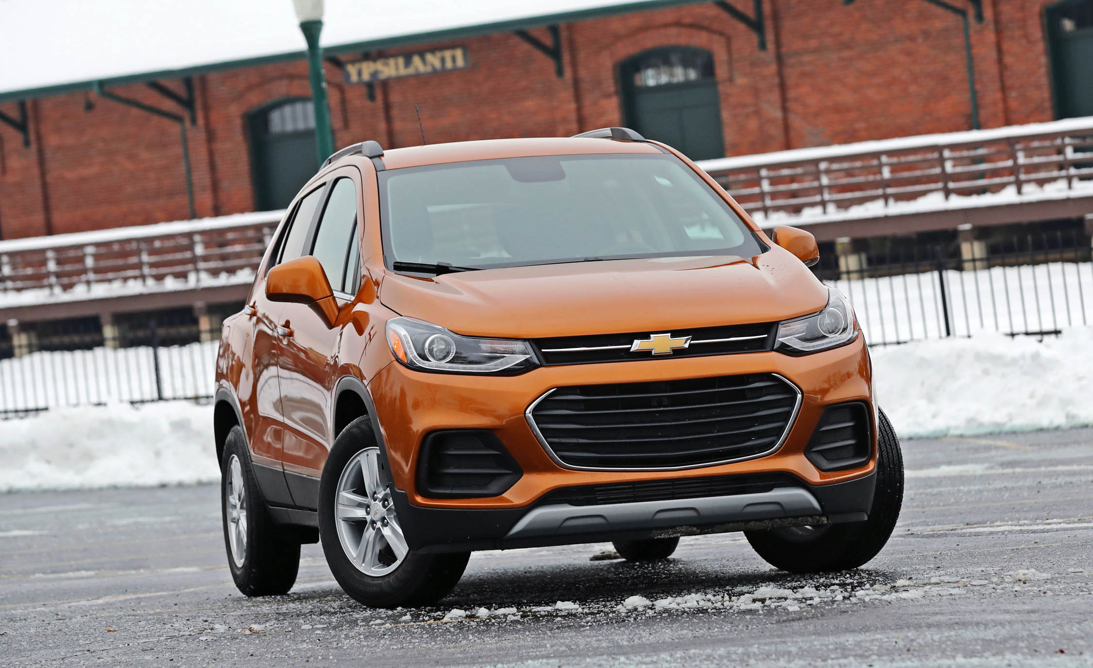 2017 Chevrolet Trax Exterior Front (Photo 1 of 47)