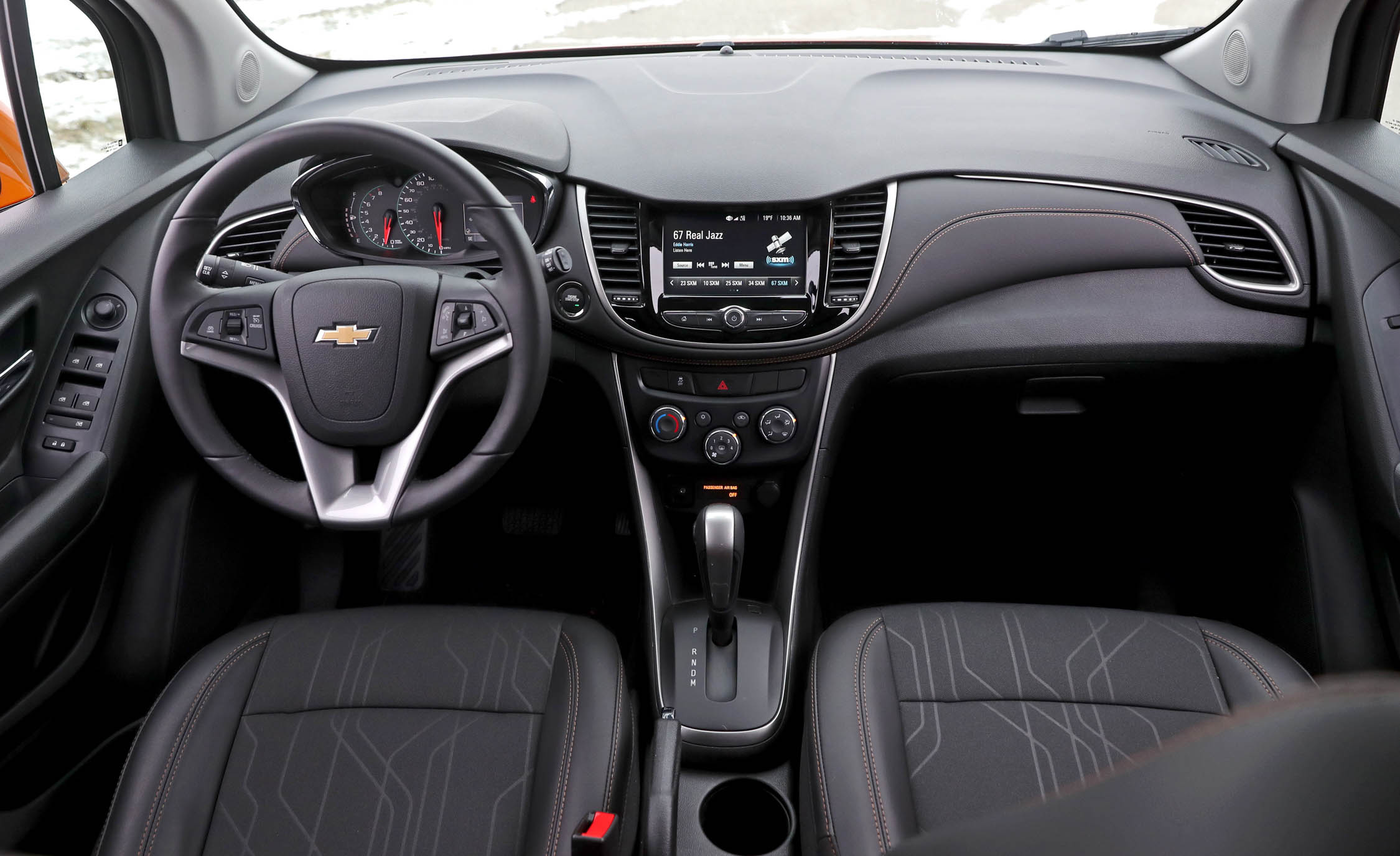 2017 Chevrolet Trax Interior Steering And Dashboard (View 24 of 47)