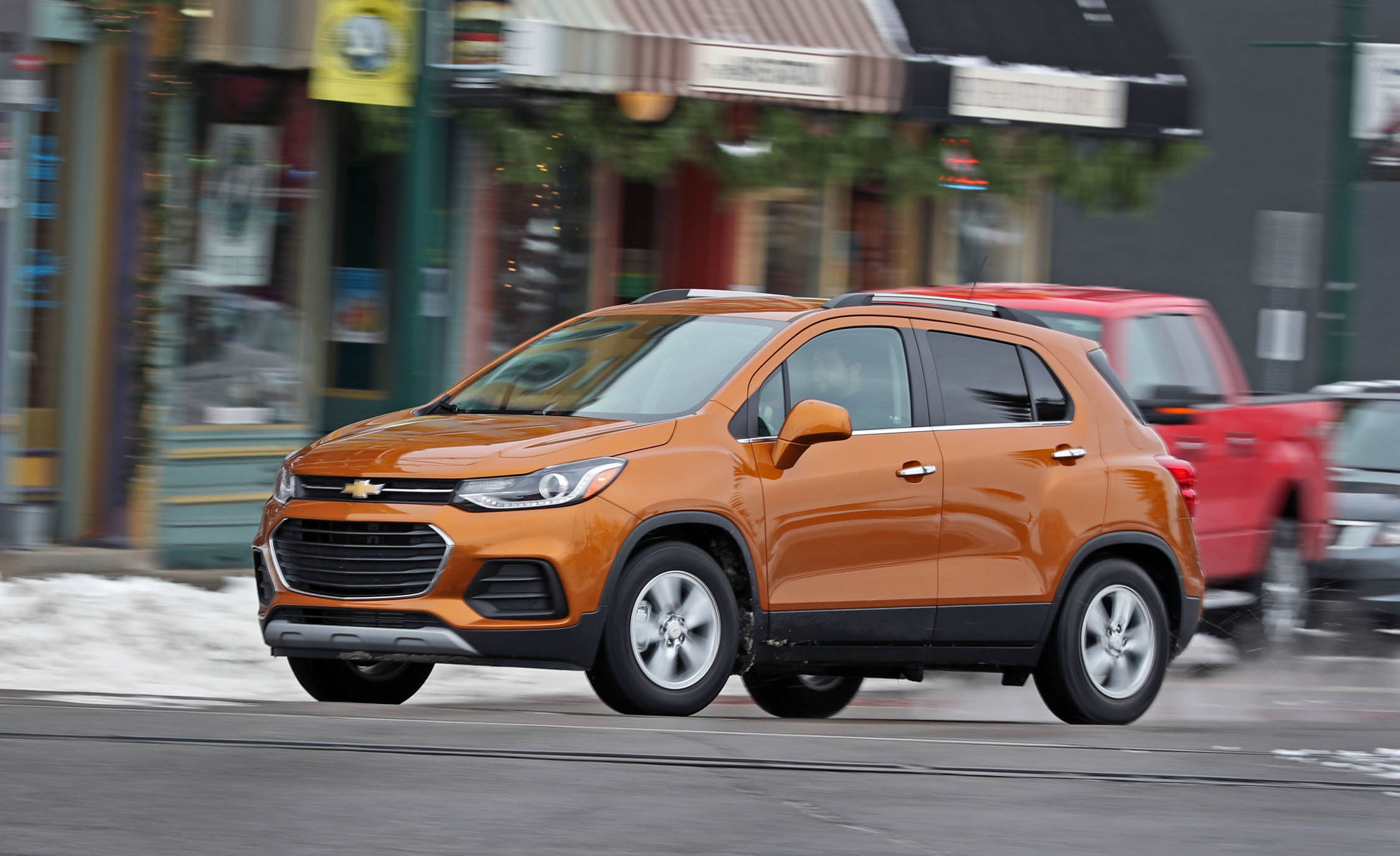 2017 Chevrolet Trax Test Drive Front And Side View (Photo 36 of 47)