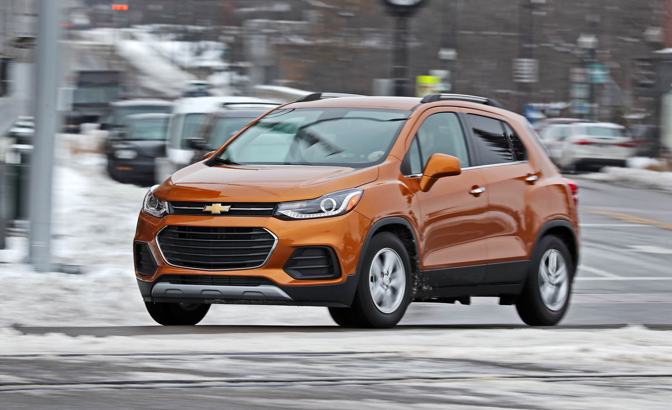 2017 Chevrolet Trax Test Drive Orange Metallic (Photo 7 of 47)