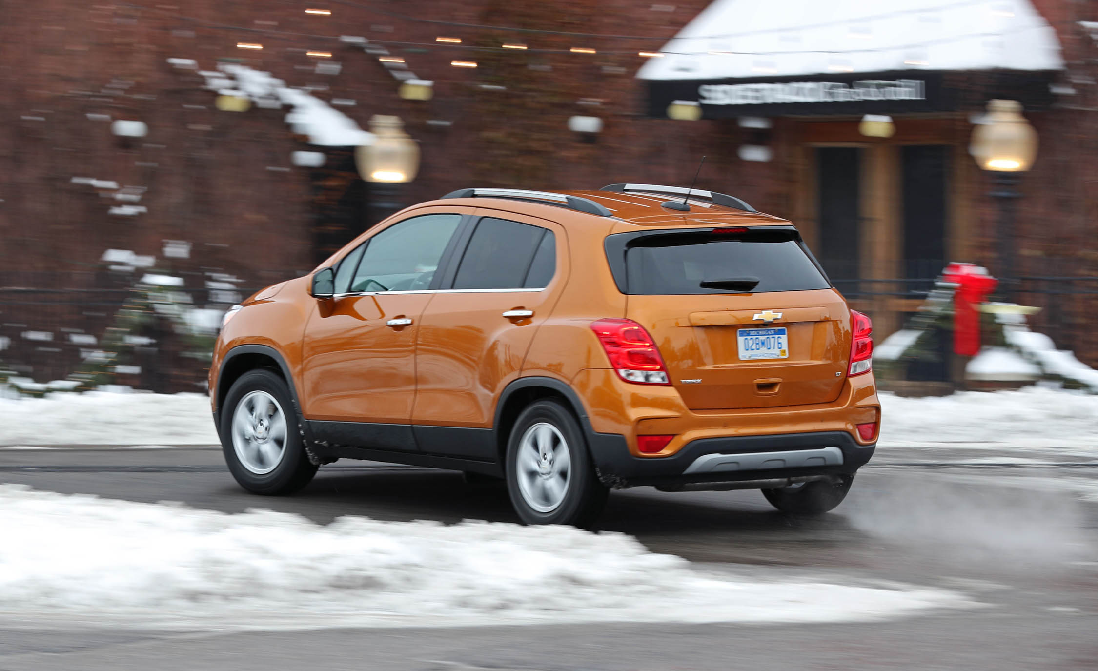 2017 Chevrolet Trax Test Drive Rear And Side Preview (Photo 39 of 47)