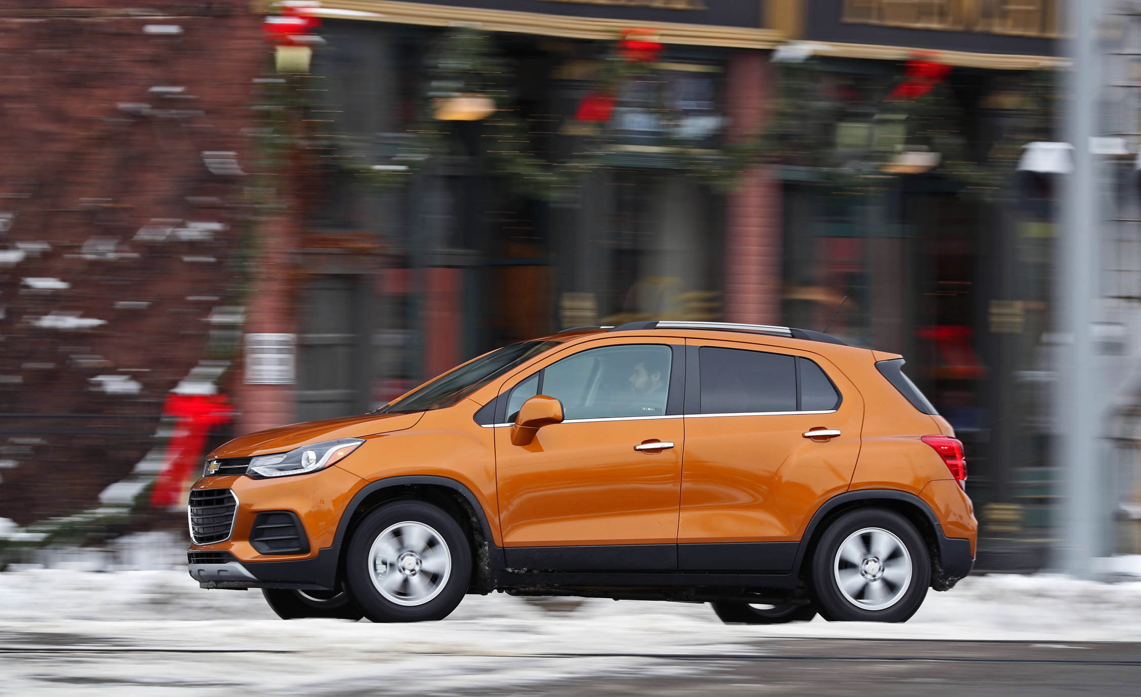 2017 Chevrolet Trax Test Drive Side And Front View (Photo 41 of 47)