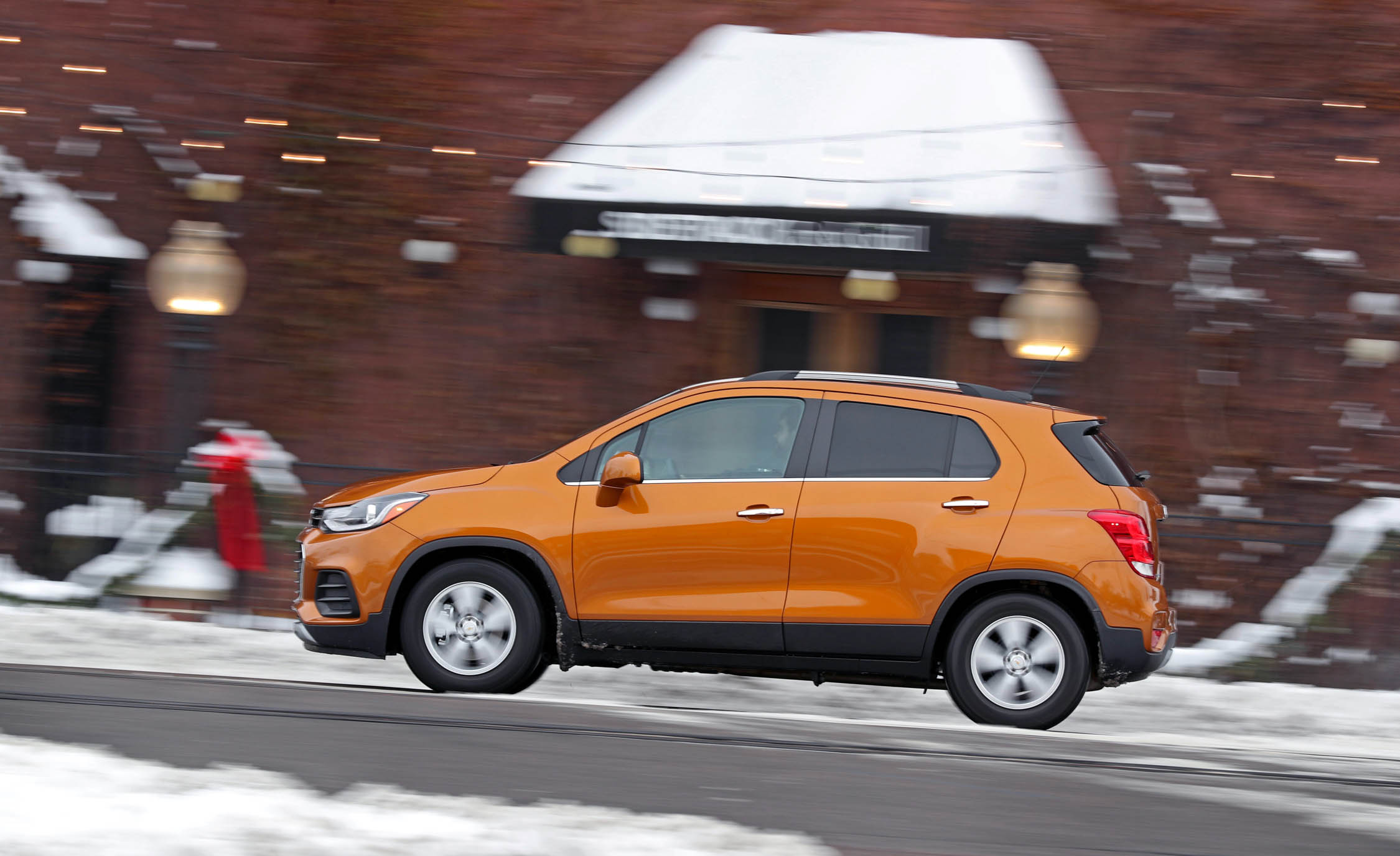 2017 Chevrolet Trax Test Drive Side Preview (Photo 3 of 47)