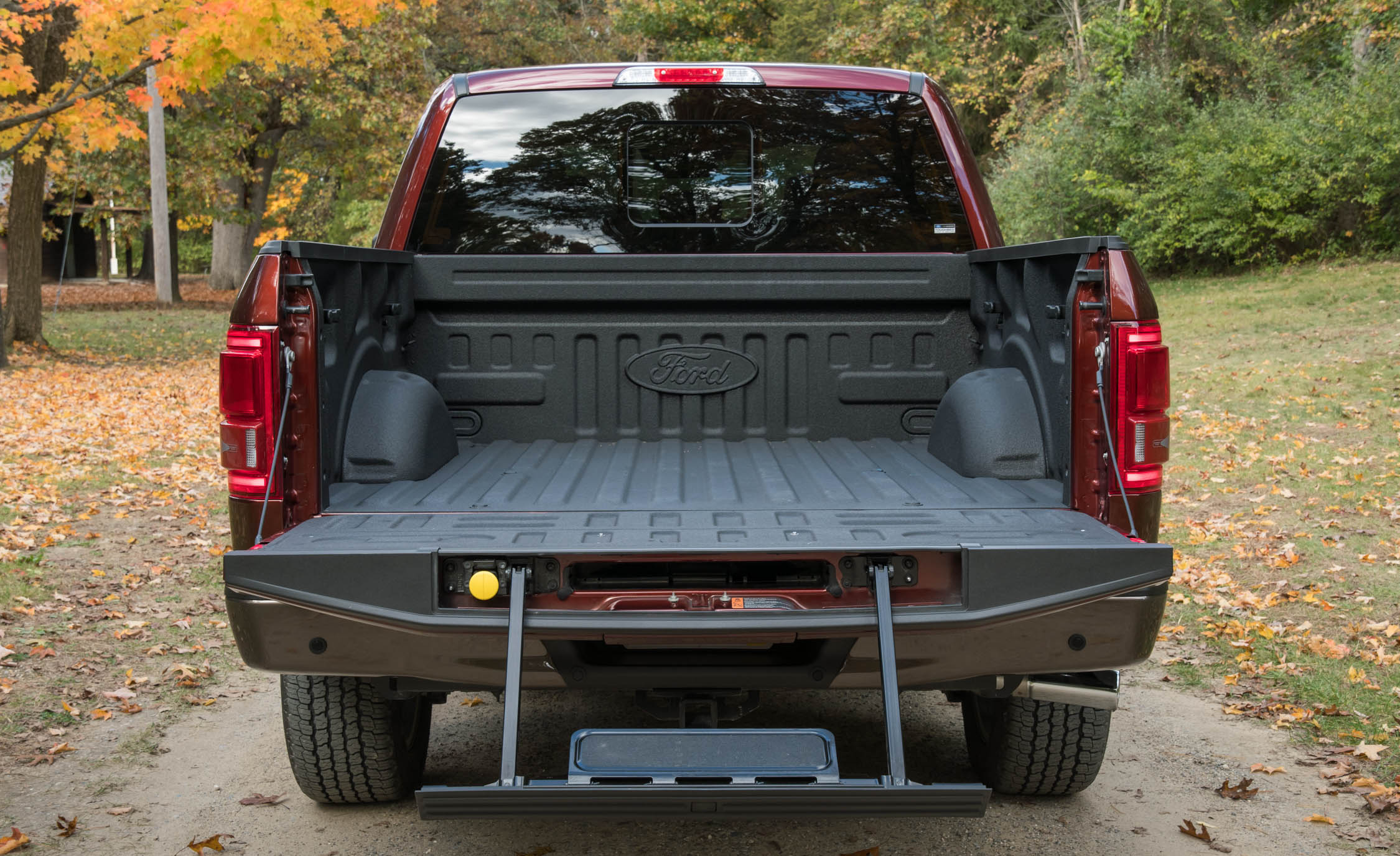 2017 Ford F 150 King Ranch Exterior View Rear Cab Cargo (Photo 37 of 50)