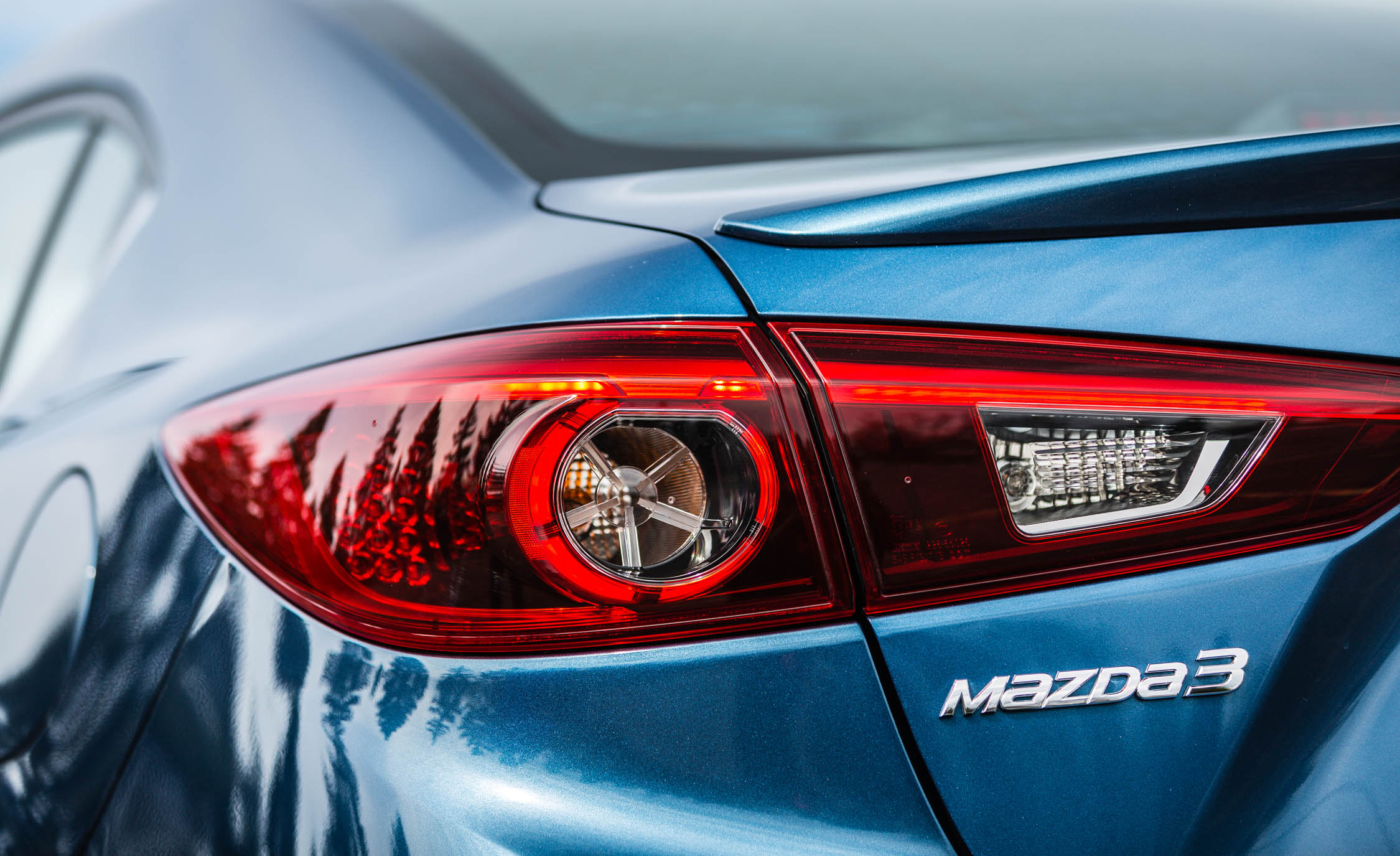 2017 Mazda 3 Grand Touring Sedan Exterior View Taillight (Photo 15 of 51)