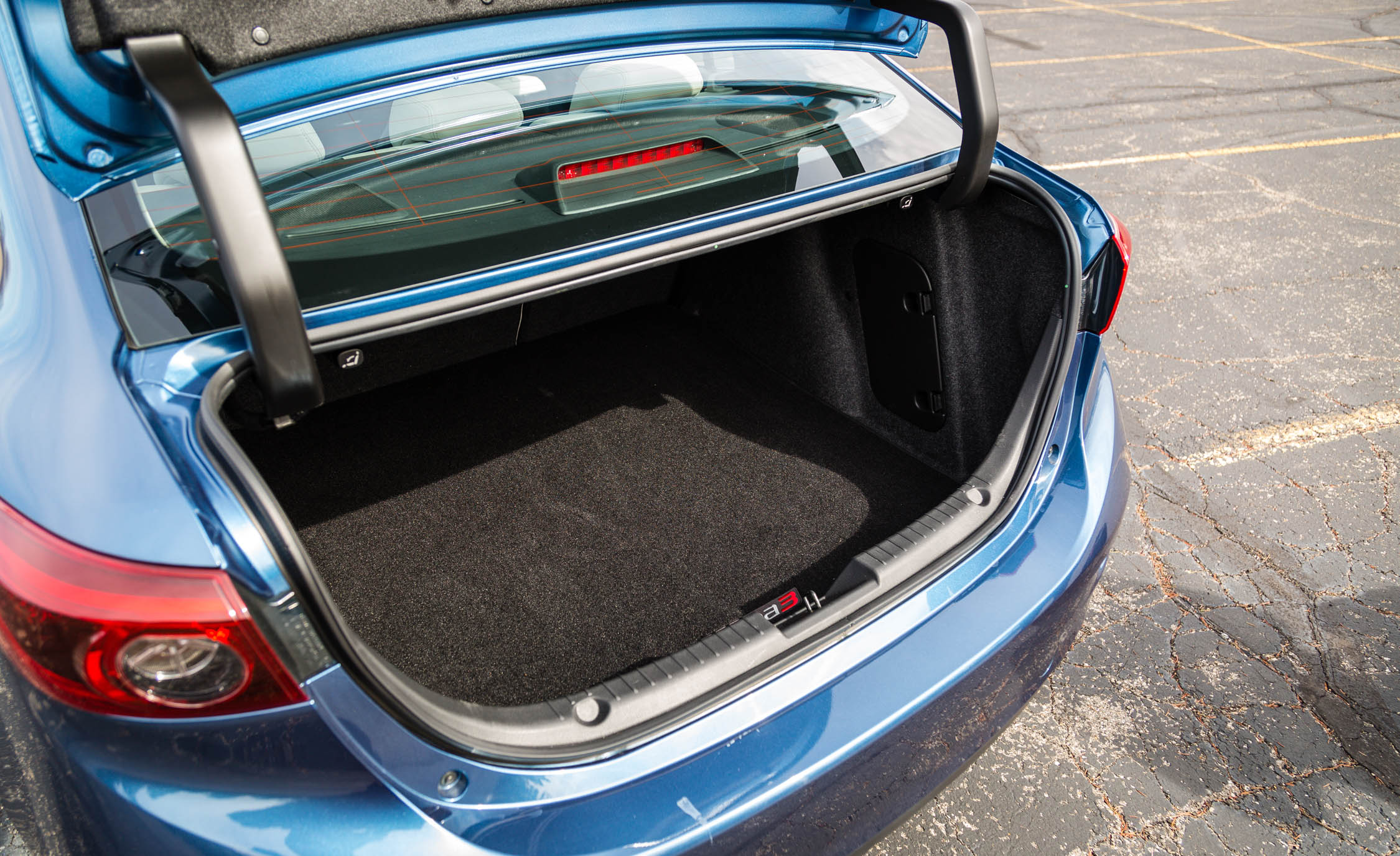 2017 Mazda 3 Grand Touring Sedan Interior View Cargo Trunk (Photo 28 of 51)