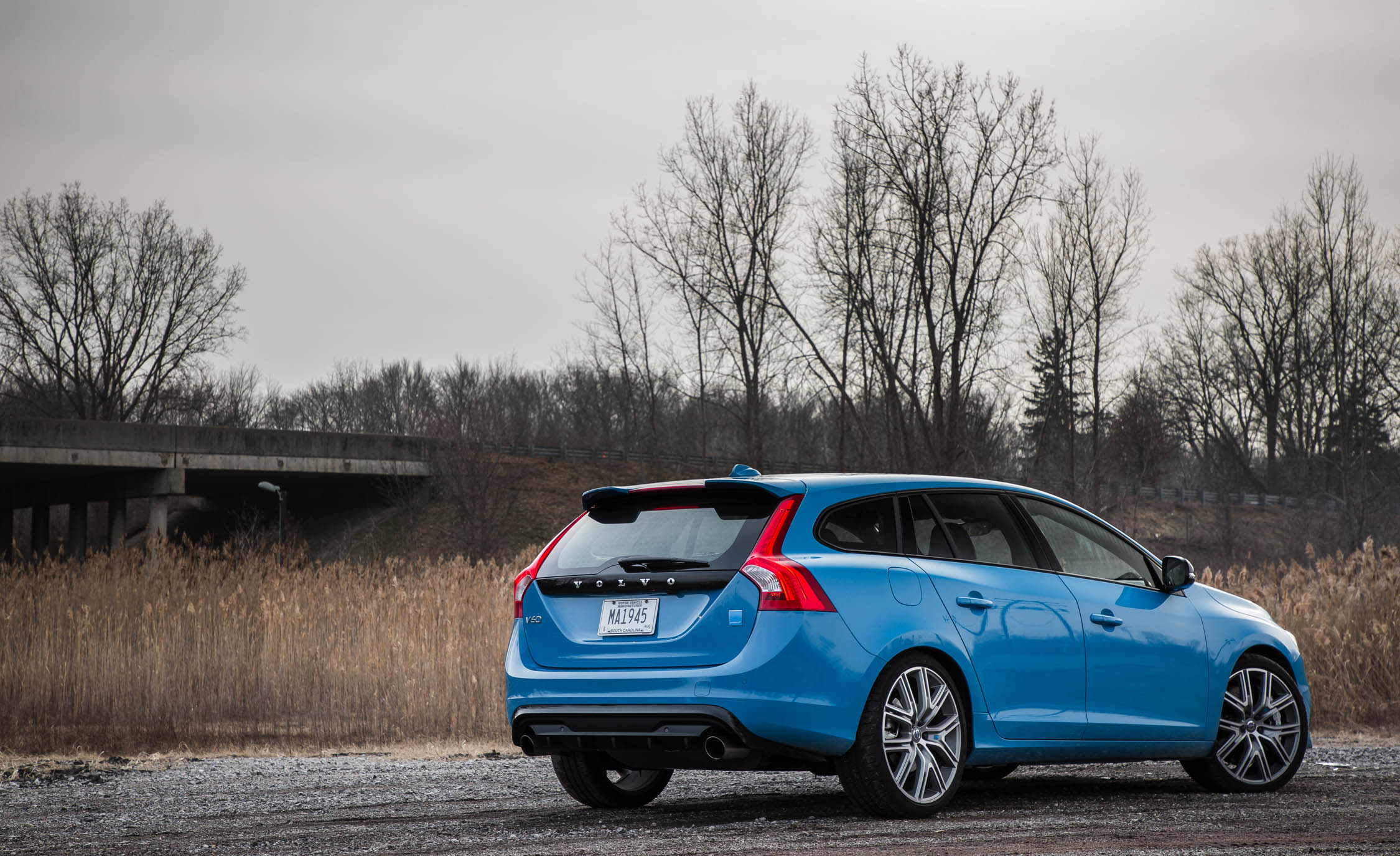 2017 Volvo V60 Polestar Exterior Rear And Side (Photo 5 of 53)