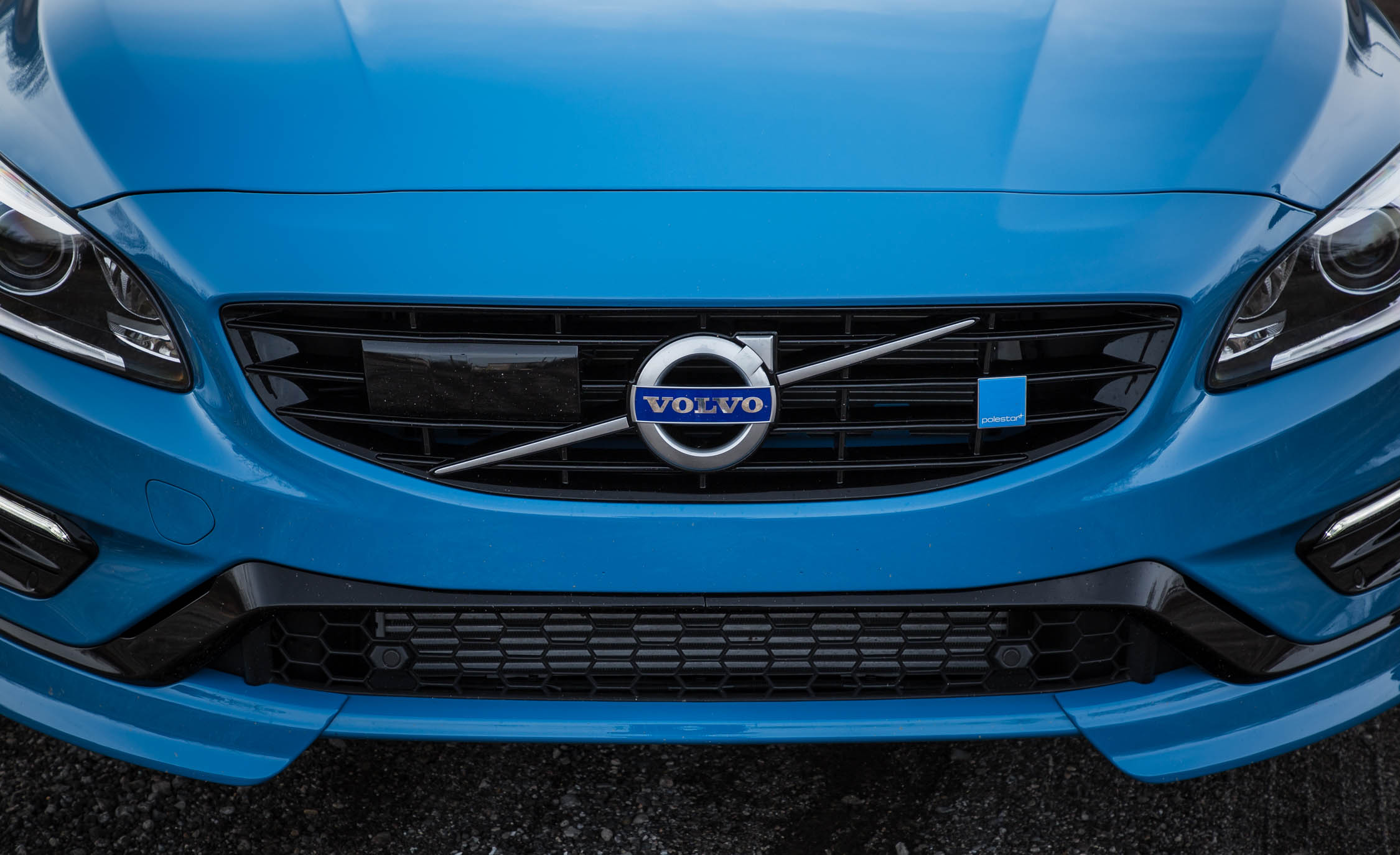 2017 Volvo V60 Polestar Exterior View Grille (Photo 7 of 53)