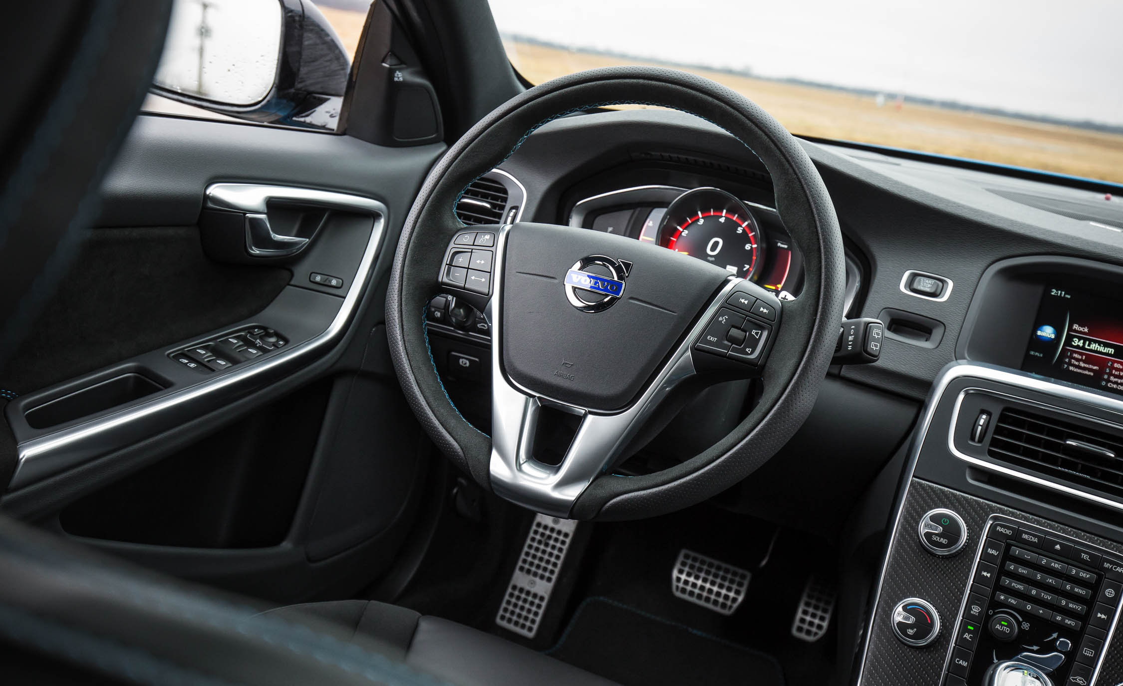 2017 Volvo V60 Polestar Interior Cockpit Steering (Photo 20 of 53)