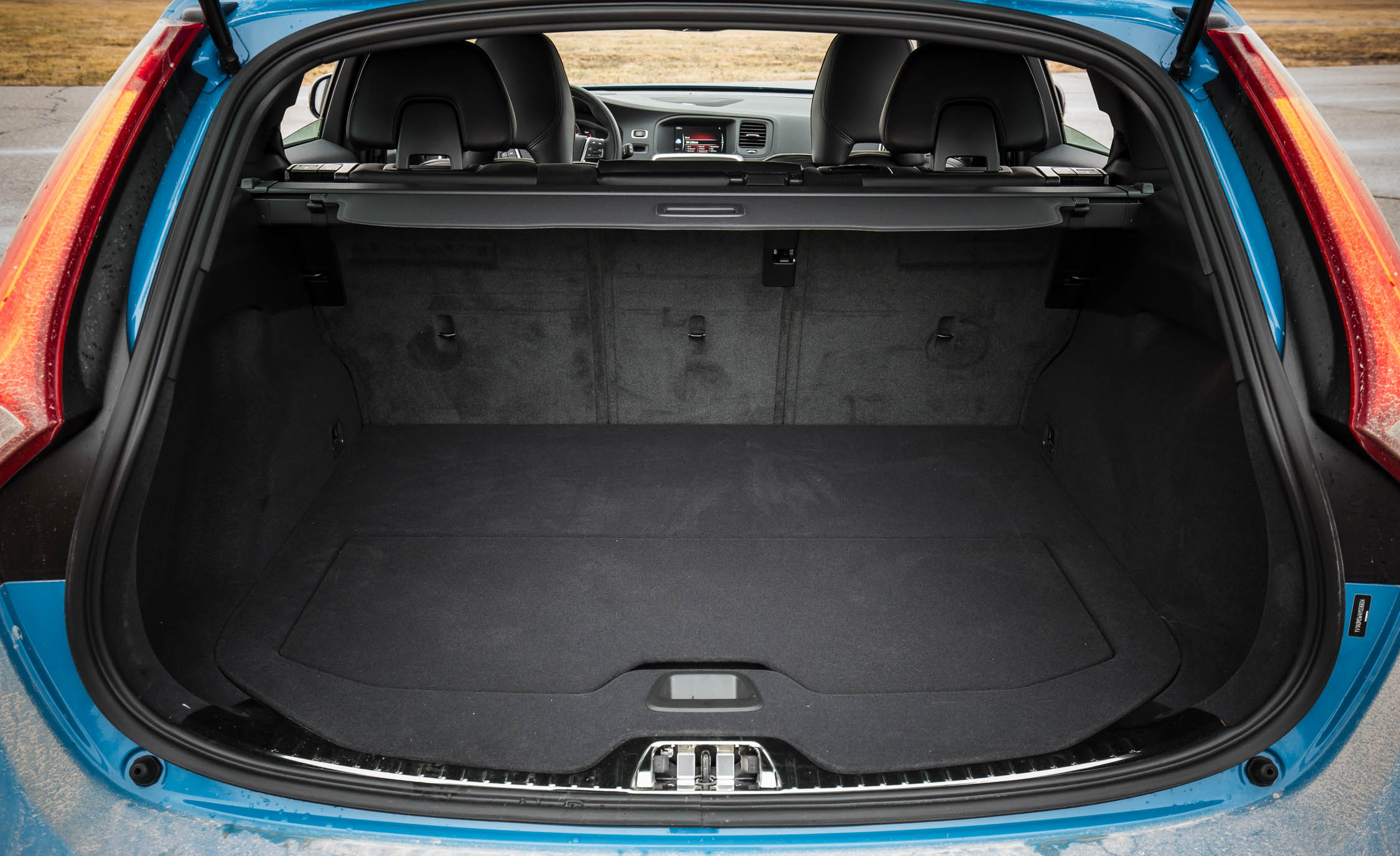 2017 Volvo V60 Polestar Interior View Cargo (Photo 29 of 53)