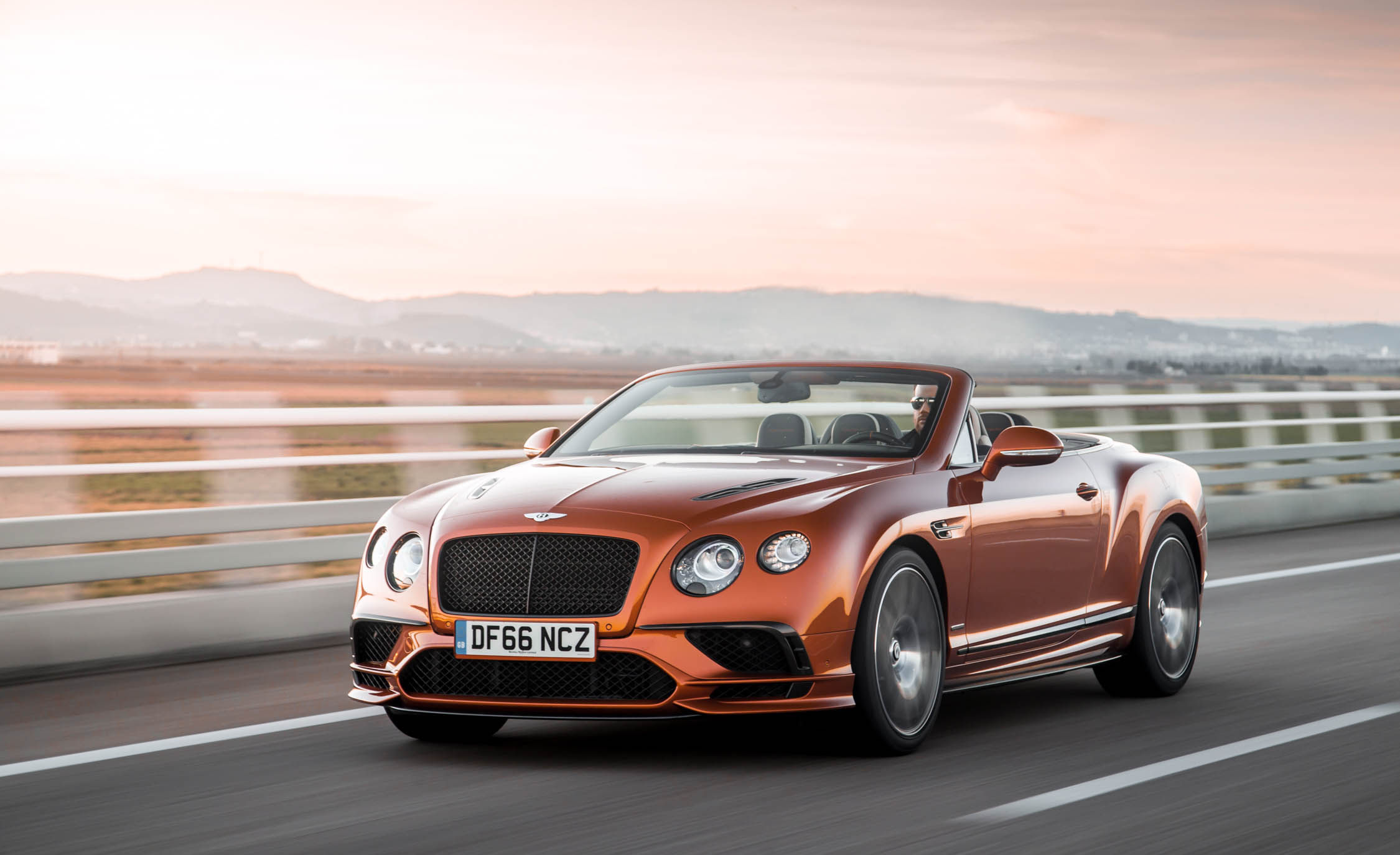 2018 Bentley Continental Supersports Convertible Orange Metallic (View 51 of 66)