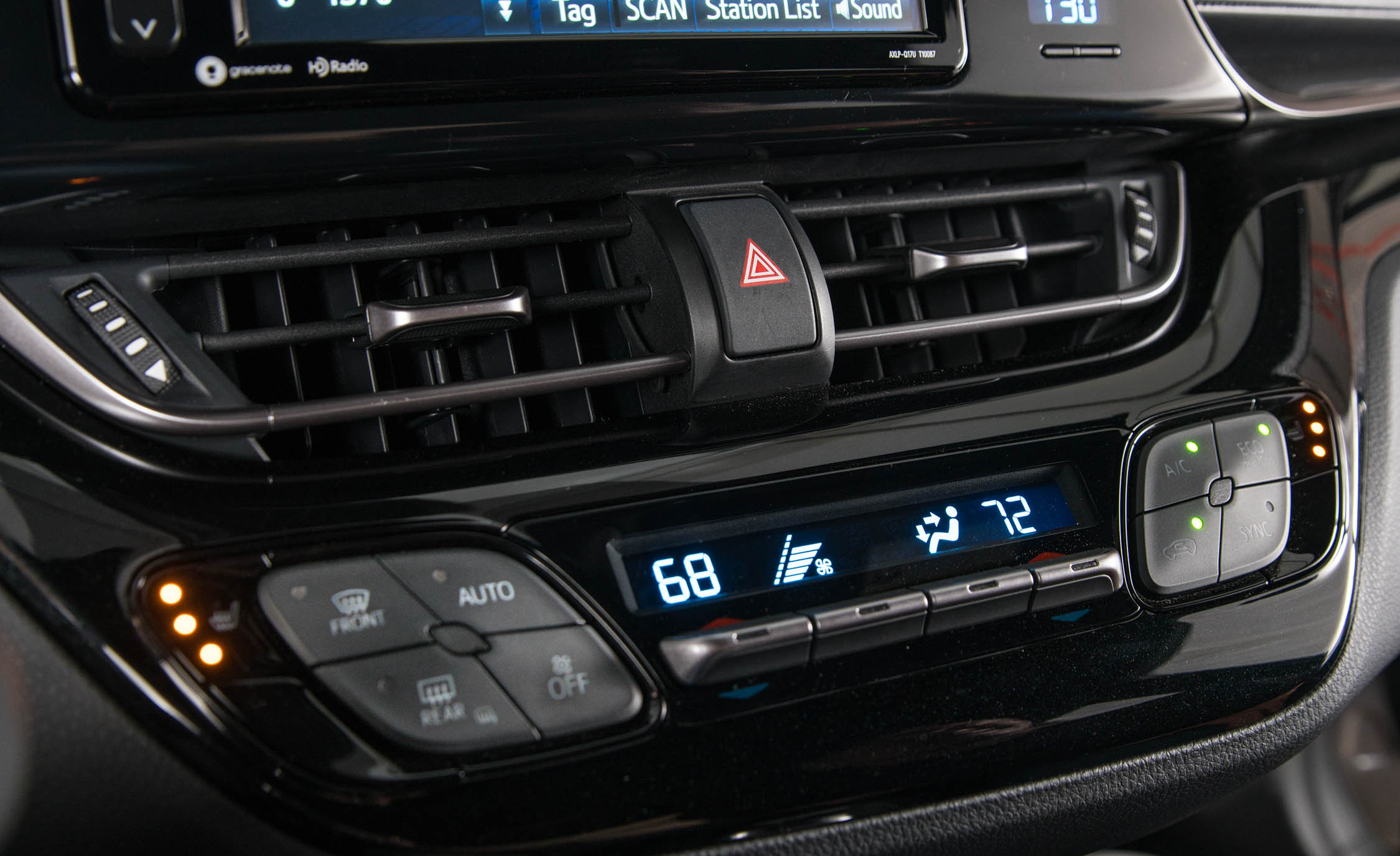 2018 Toyota C HR Interior View Climate Control (Photo 17 of 33)