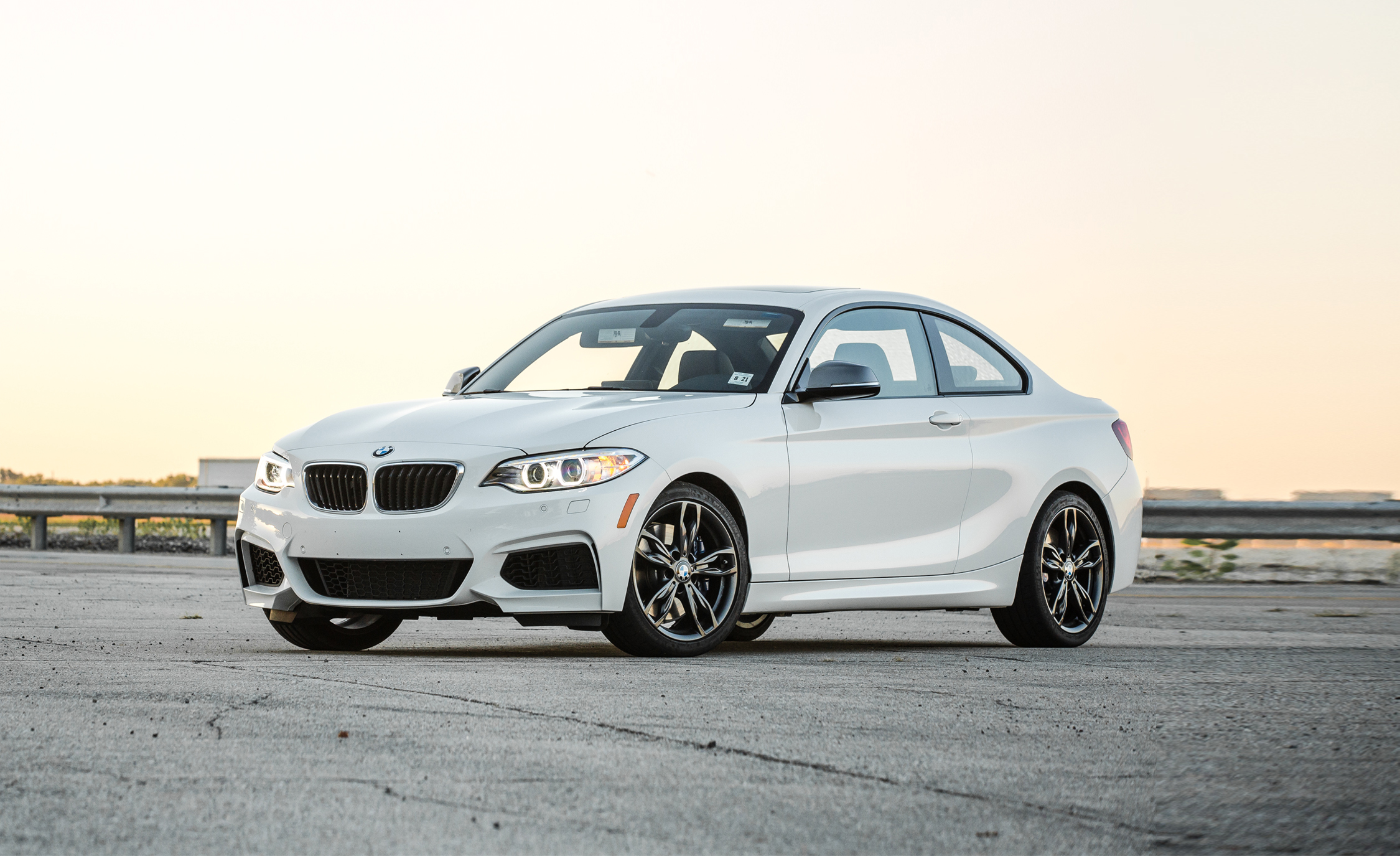 2017 BMW M240i Coupe Automatic Color White (Photo 34 of 36)