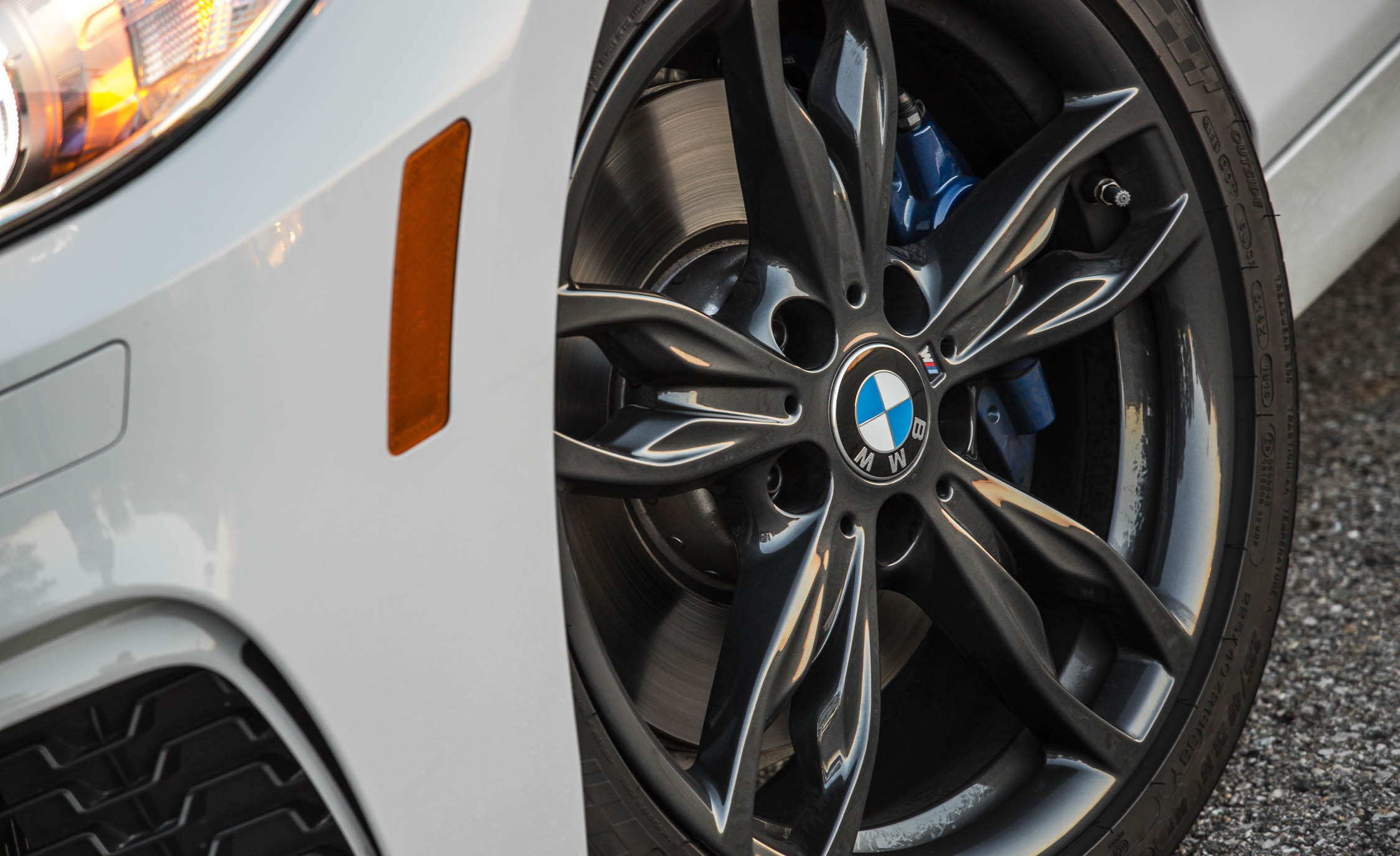 2017 BMW M240i Coupe Automatic Exterior View Wheel (Photo 19 of 36)