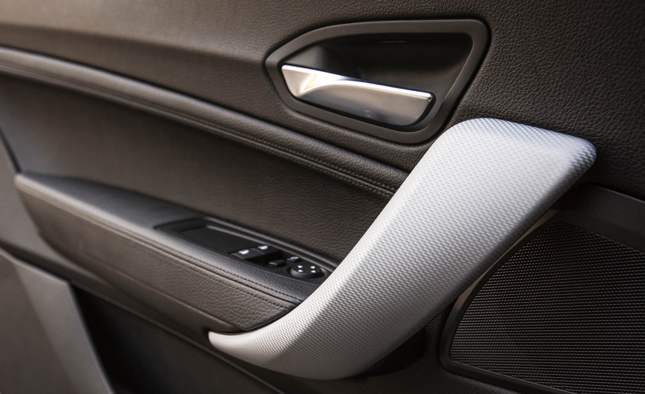 2017 BMW M240i Coupe Automatic Interior View Door Trim (Photo 32 of 36)