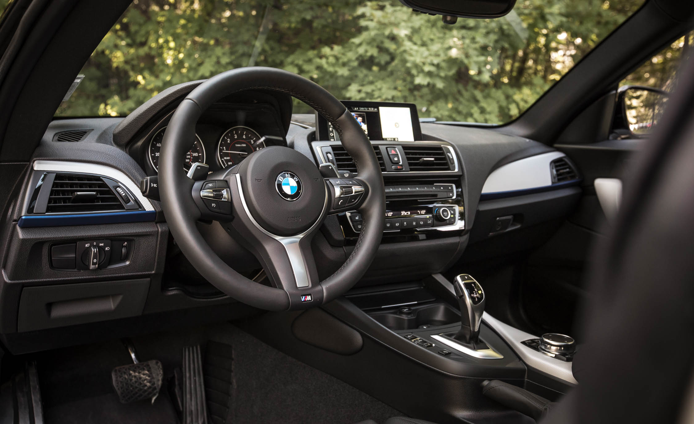 2017 BMW M240i Coupe Automatic Interior View Driver Steering (Photo 33 of 36)