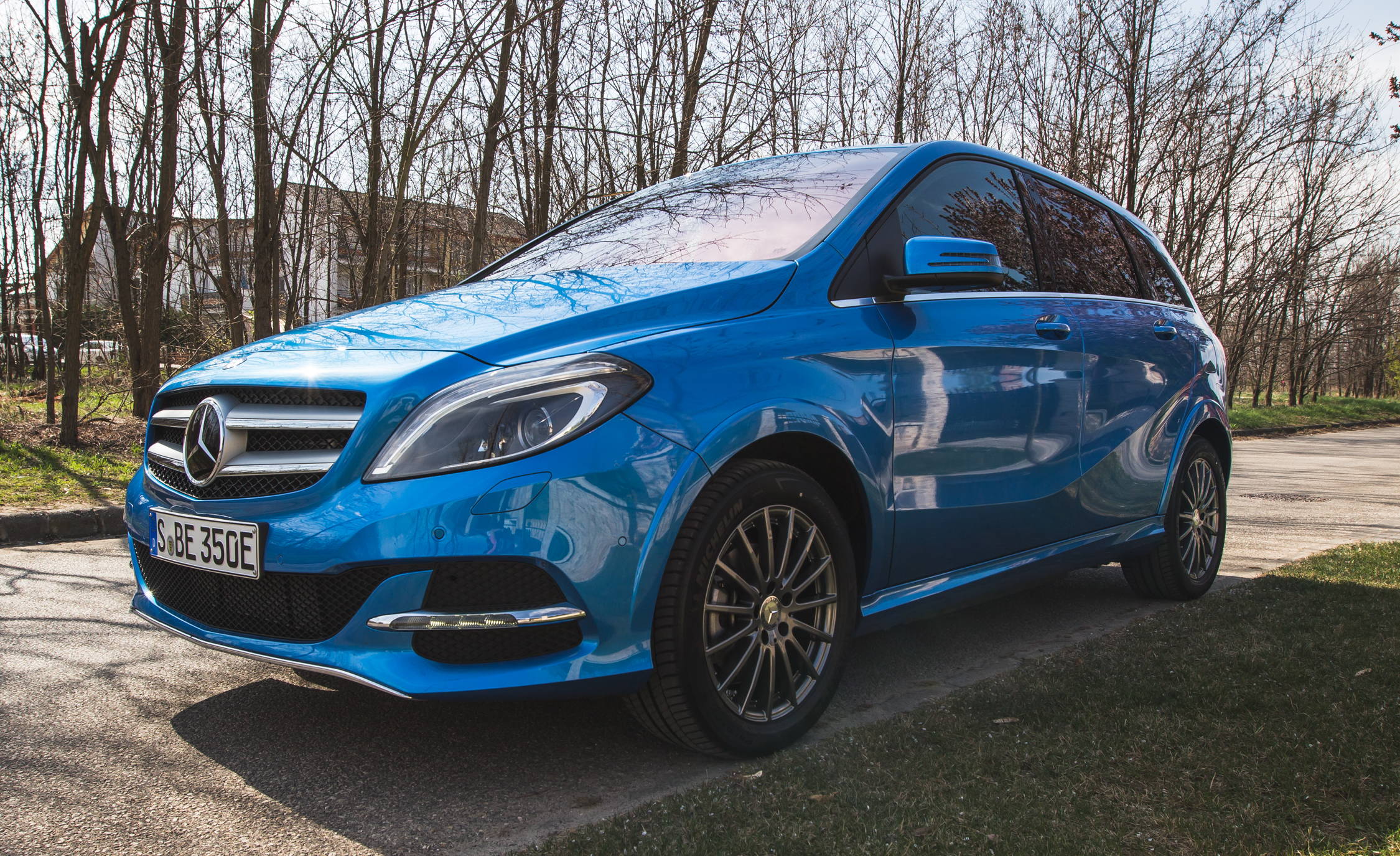 2017 Mercedes Benz B Class EV Exterior View Front And Side (Photo 23 of 24)