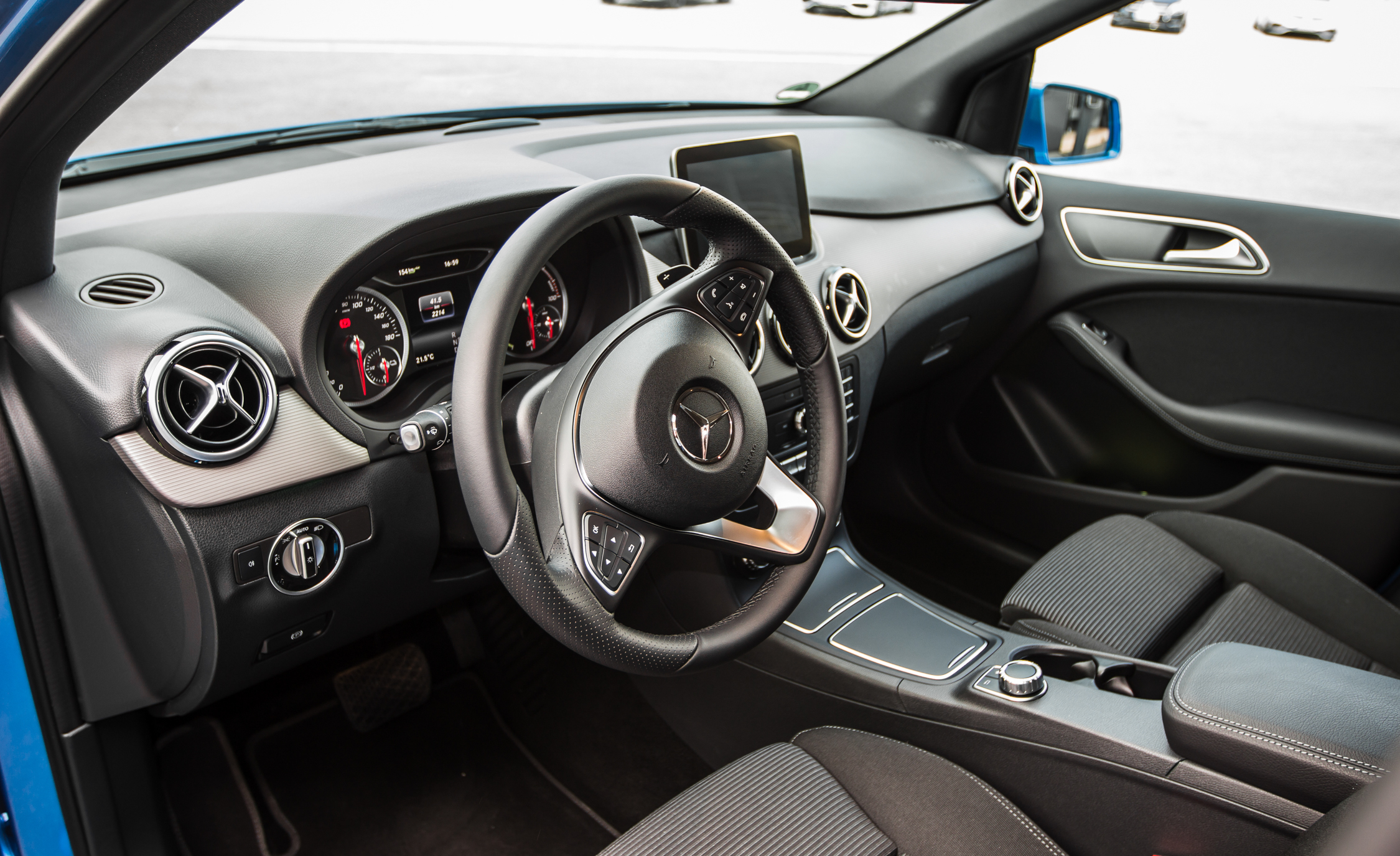 2017 Mercedes Benz B250e Interior Driver Cockpit (View 10 of 24)