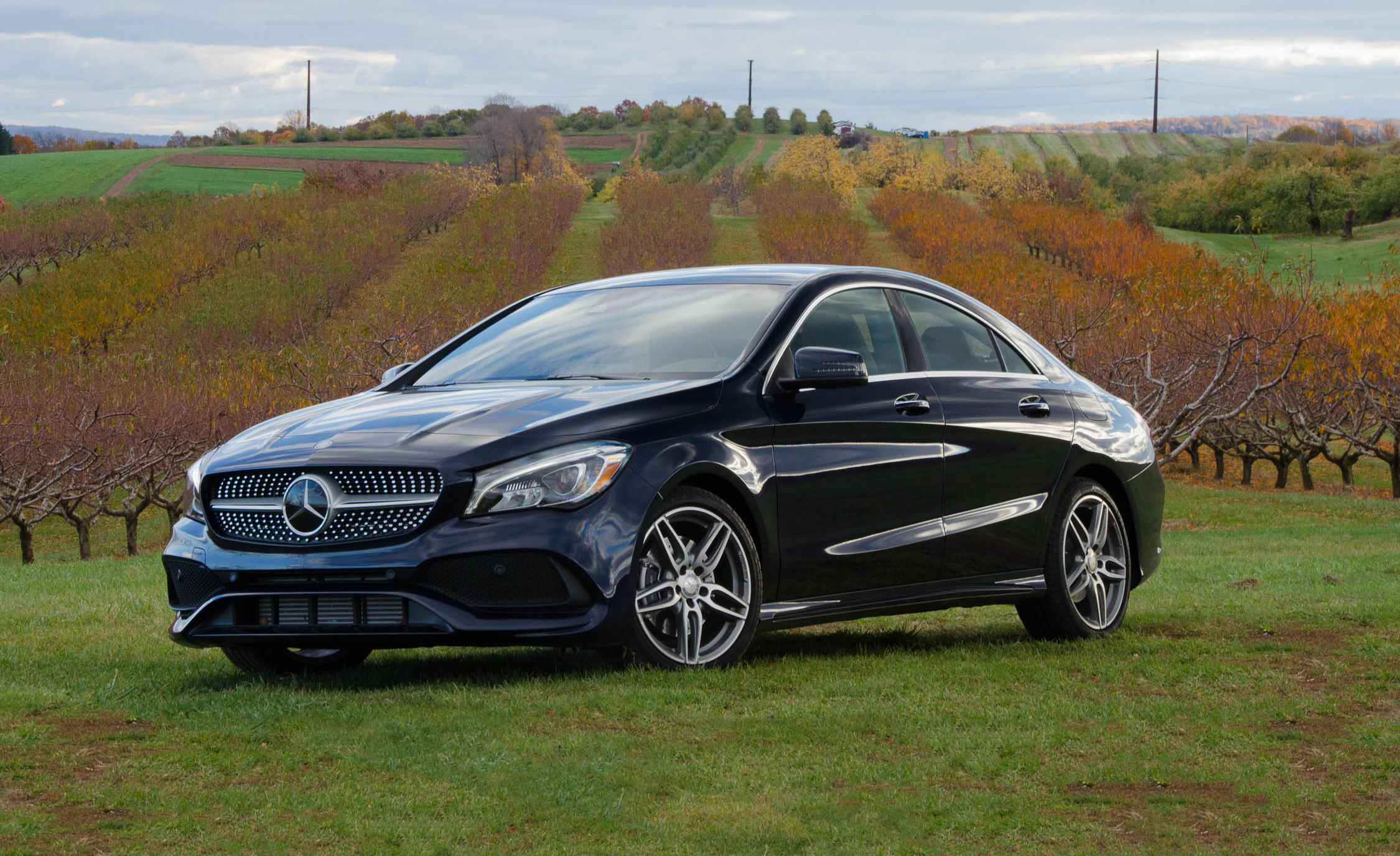 2017 Mercedes Benz CLA250 4MATIC Black Color (Photo 2 of 21)