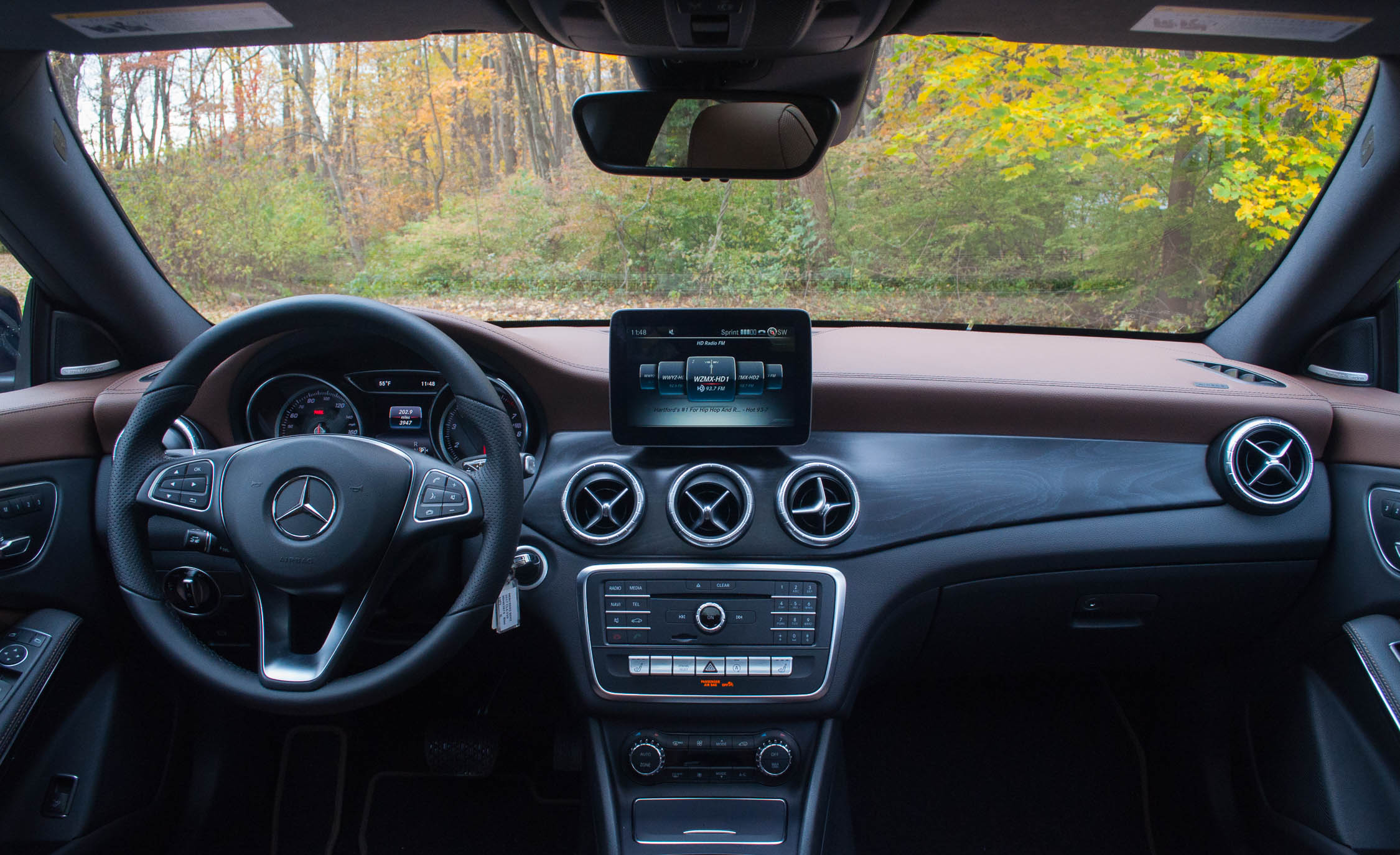 2017 Mercedes Benz CLA250 4MATIC Interior Dashboard (Photo 16 Of 21)