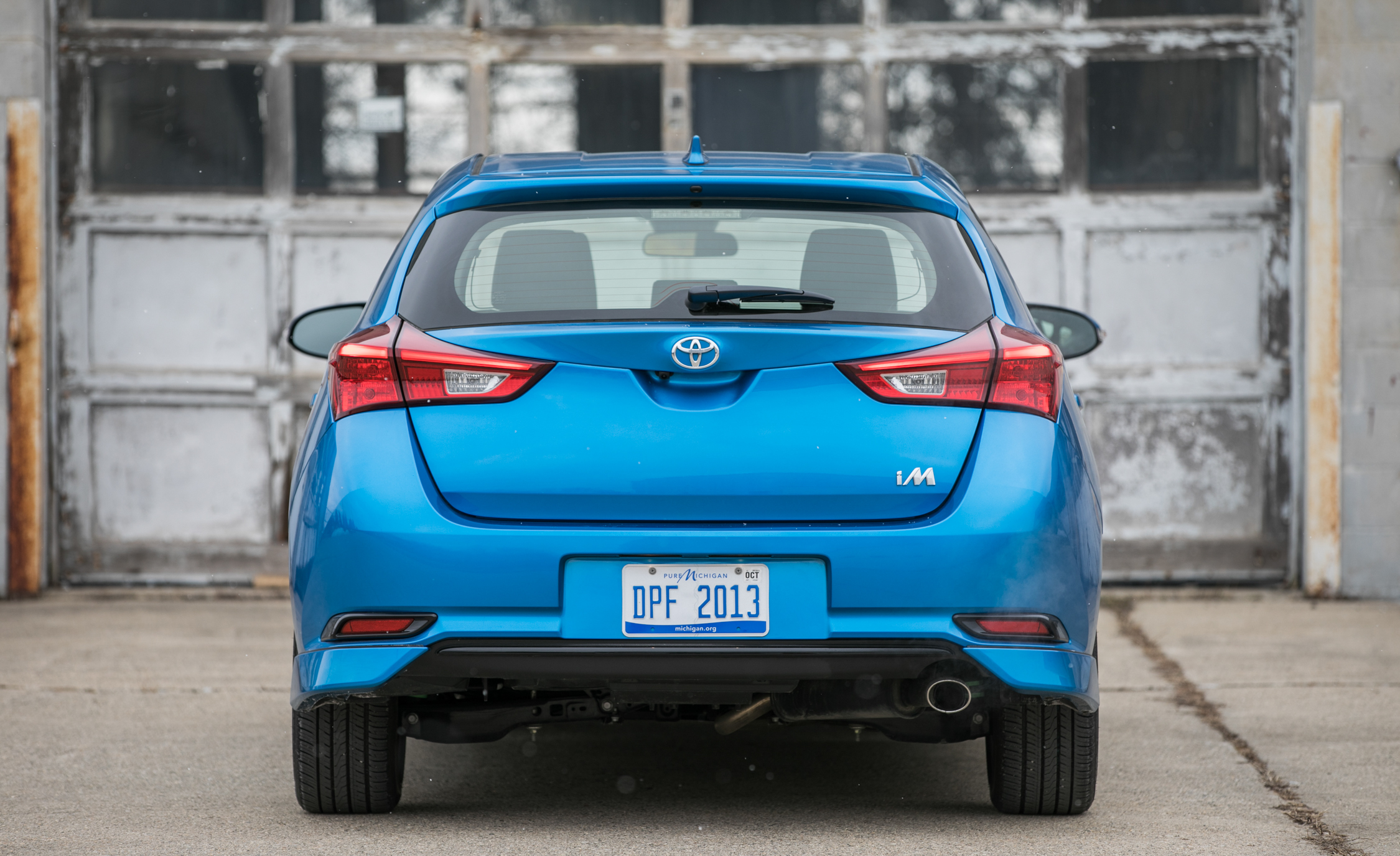 2017 Toyota Corolla IM Hatchback Exterior Rear (Photo 13 of 52)
