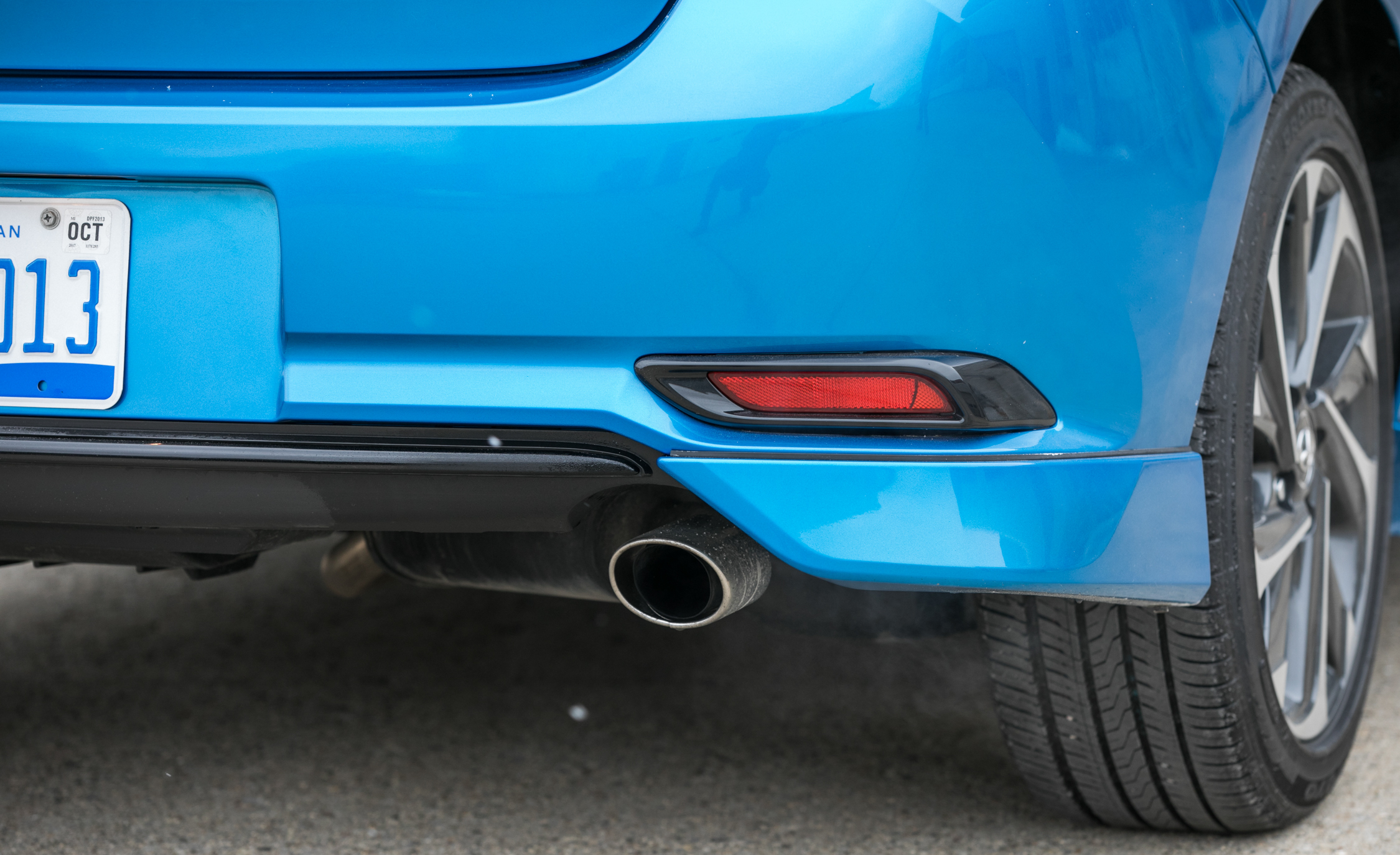2017 Toyota Corolla IM Hatchback Exterior View Rear Bumper And Exhaust (Photo 15 of 52)