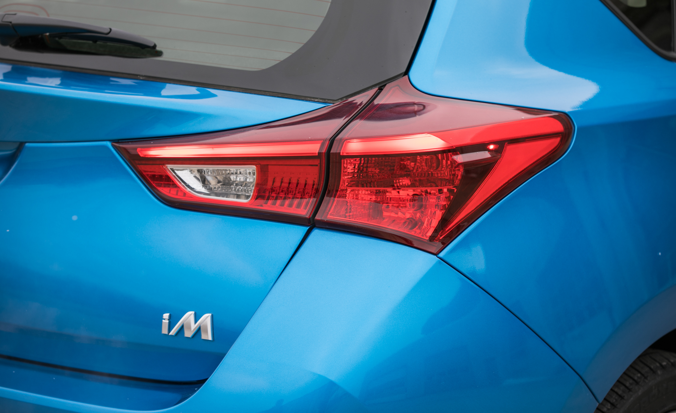 2017 Toyota Corolla IM Hatchback Exterior View Taillamp (Photo 18 of 52)