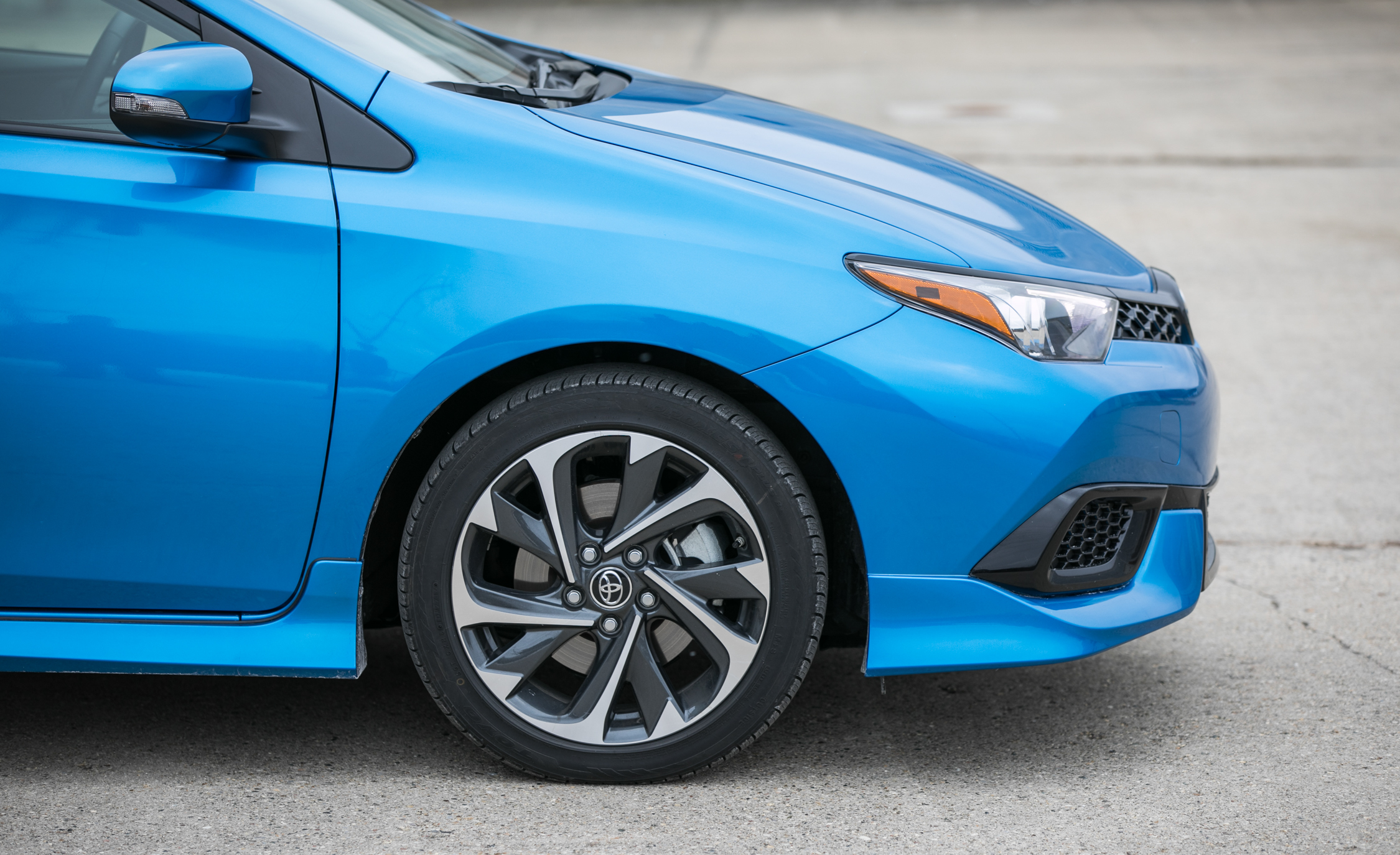 2017 Toyota Corolla IM Hatchback Exterior View Wheel (Photo 20 of 52)