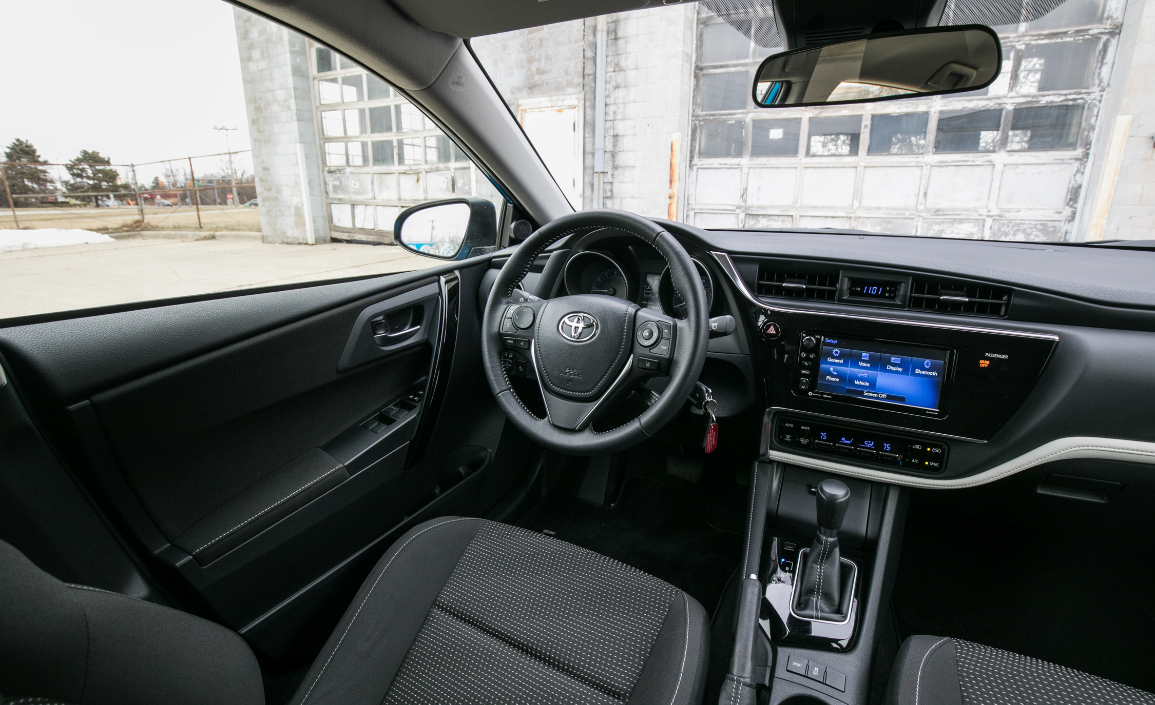 2017 Toyota Corolla IM Hatchback Interior Cockpit (Photo 22 of 52)