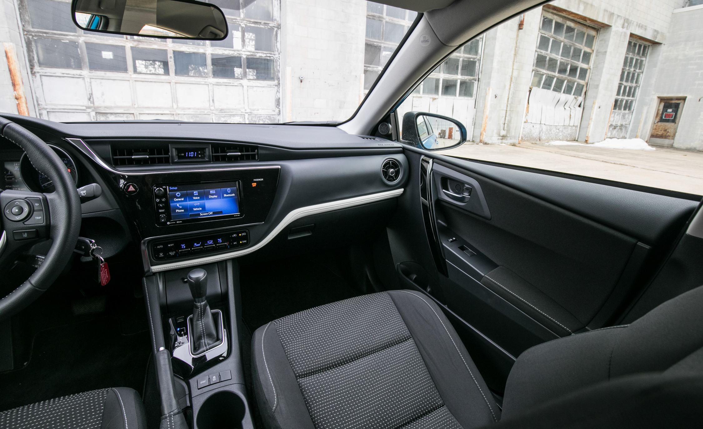 2017 Toyota Corolla IM Hatchback Interior Dasboard Front (Photo 23 of 52)