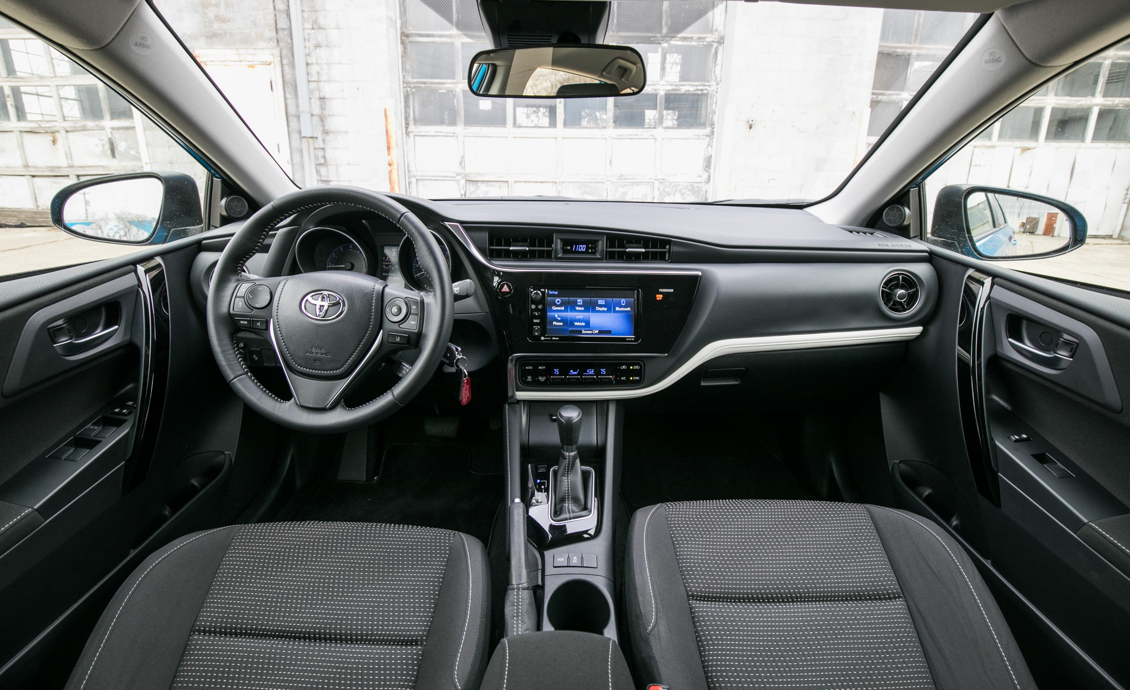 2017 Toyota Corolla IM Hatchback Interior Dashboard (Photo 24 of 52)