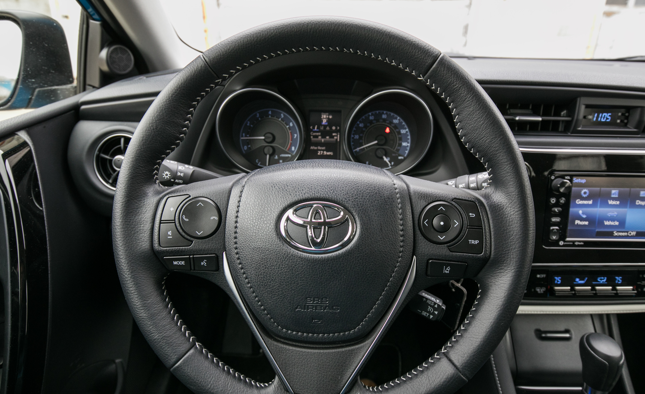 2017 Toyota Corolla IM Hatchback Interior Steering Wheel (Photo 33 of 52)