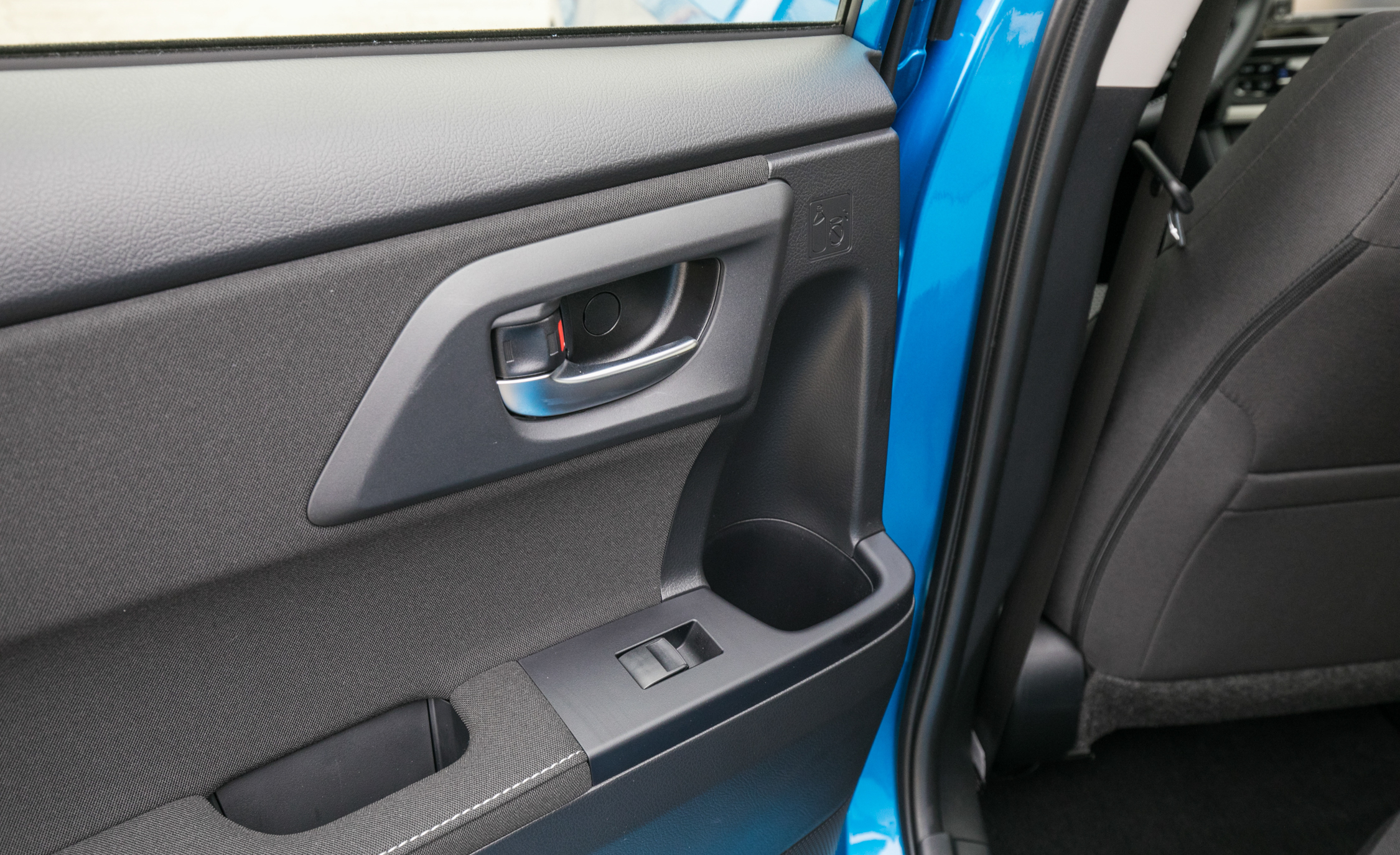2017 Toyota Corolla IM Hatchback Interior View Door Trim (Photo 42 of 52)