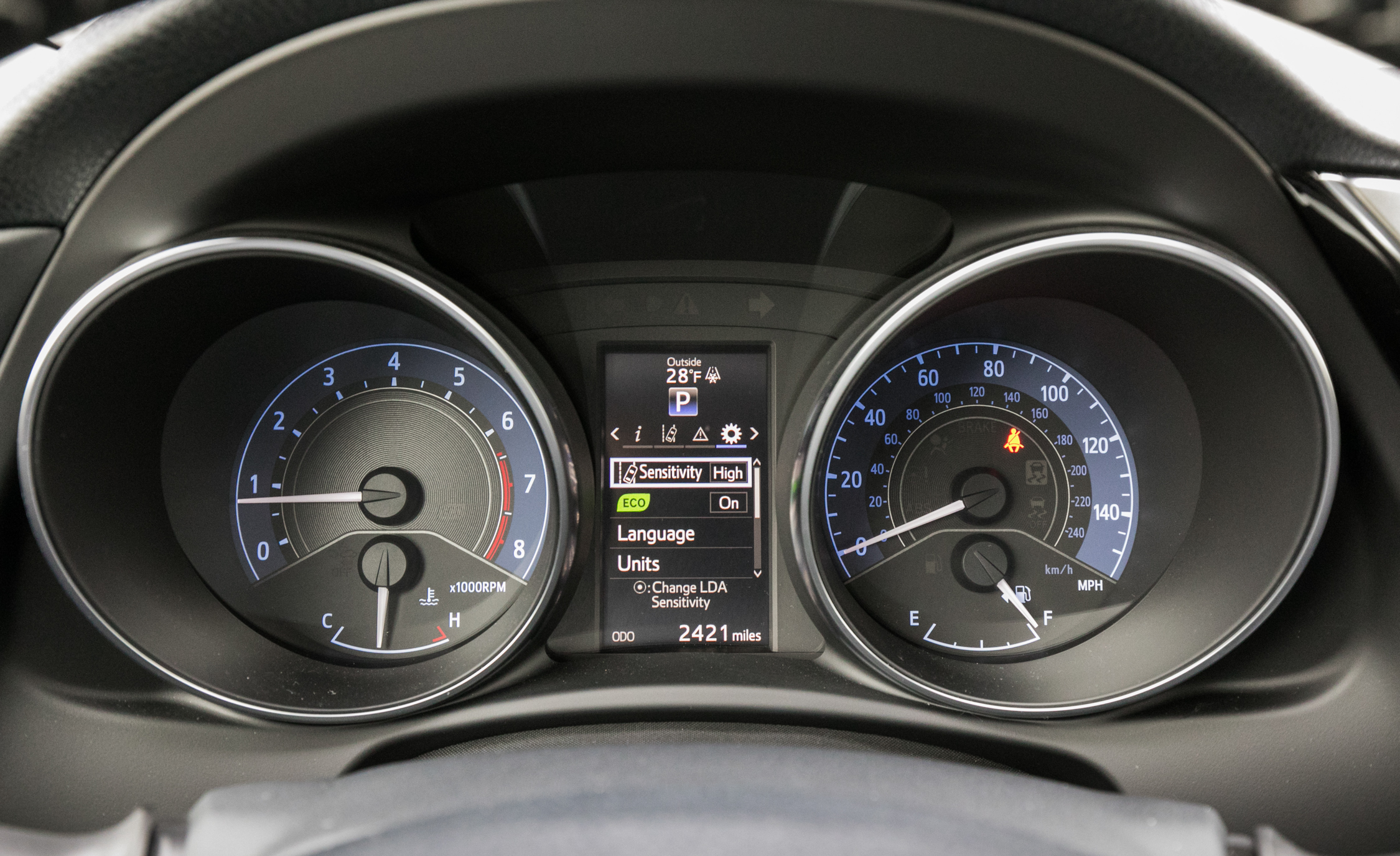 2017 Toyota Corolla IM Hatchback Interior View Speedometer Instrument Cluster (Photo 46 of 52)