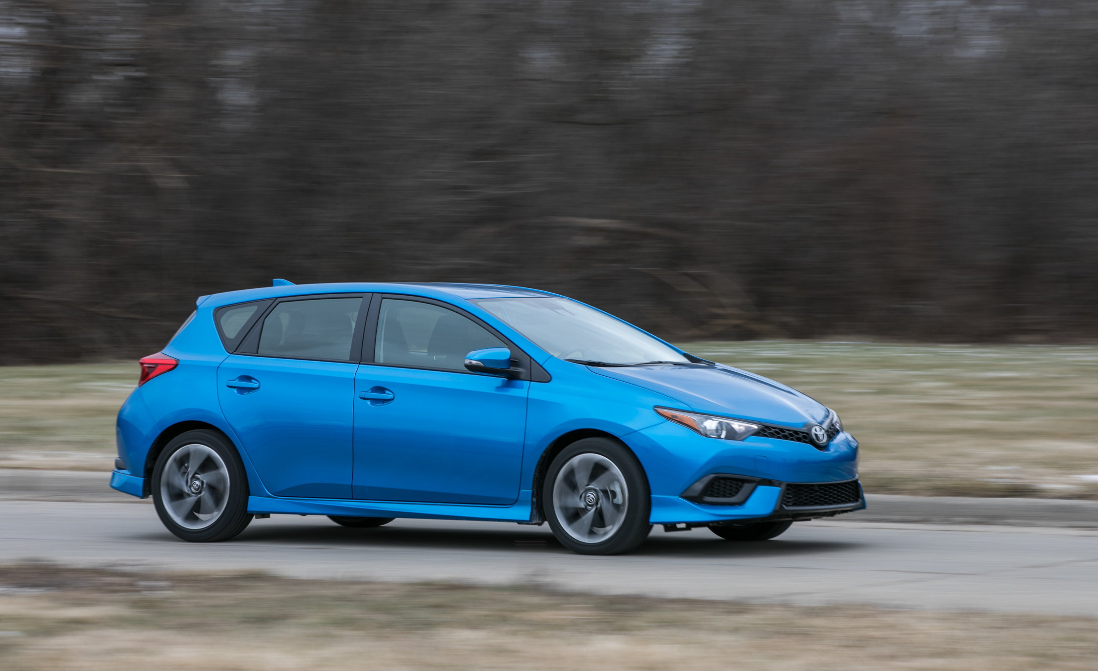 2017 Toyota Corolla IM Hatchback Test Drive (Photo 6 of 52)