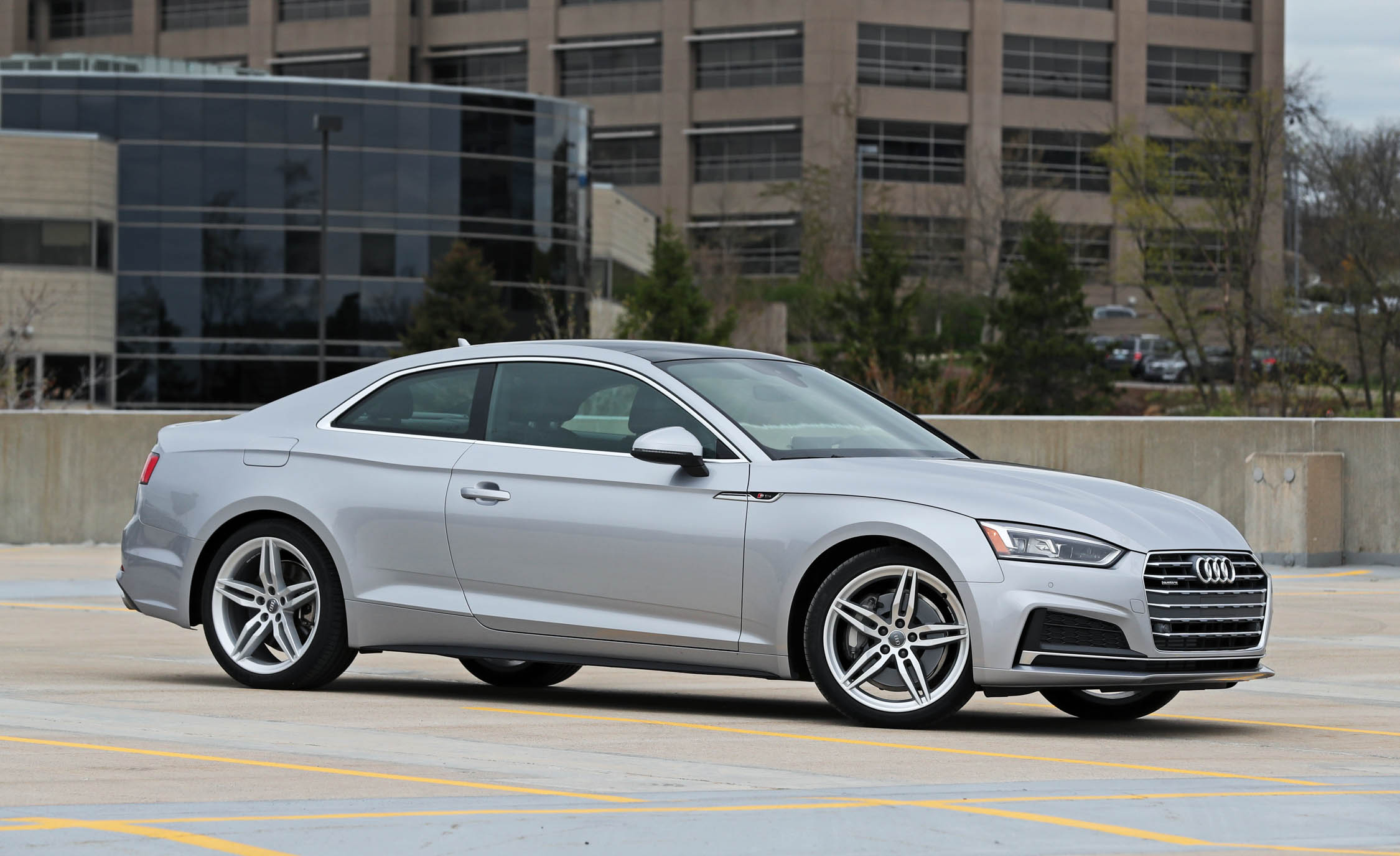 2018 Audi A5 Coupe Exterior Silver Metallic (Photo 7 of 50)