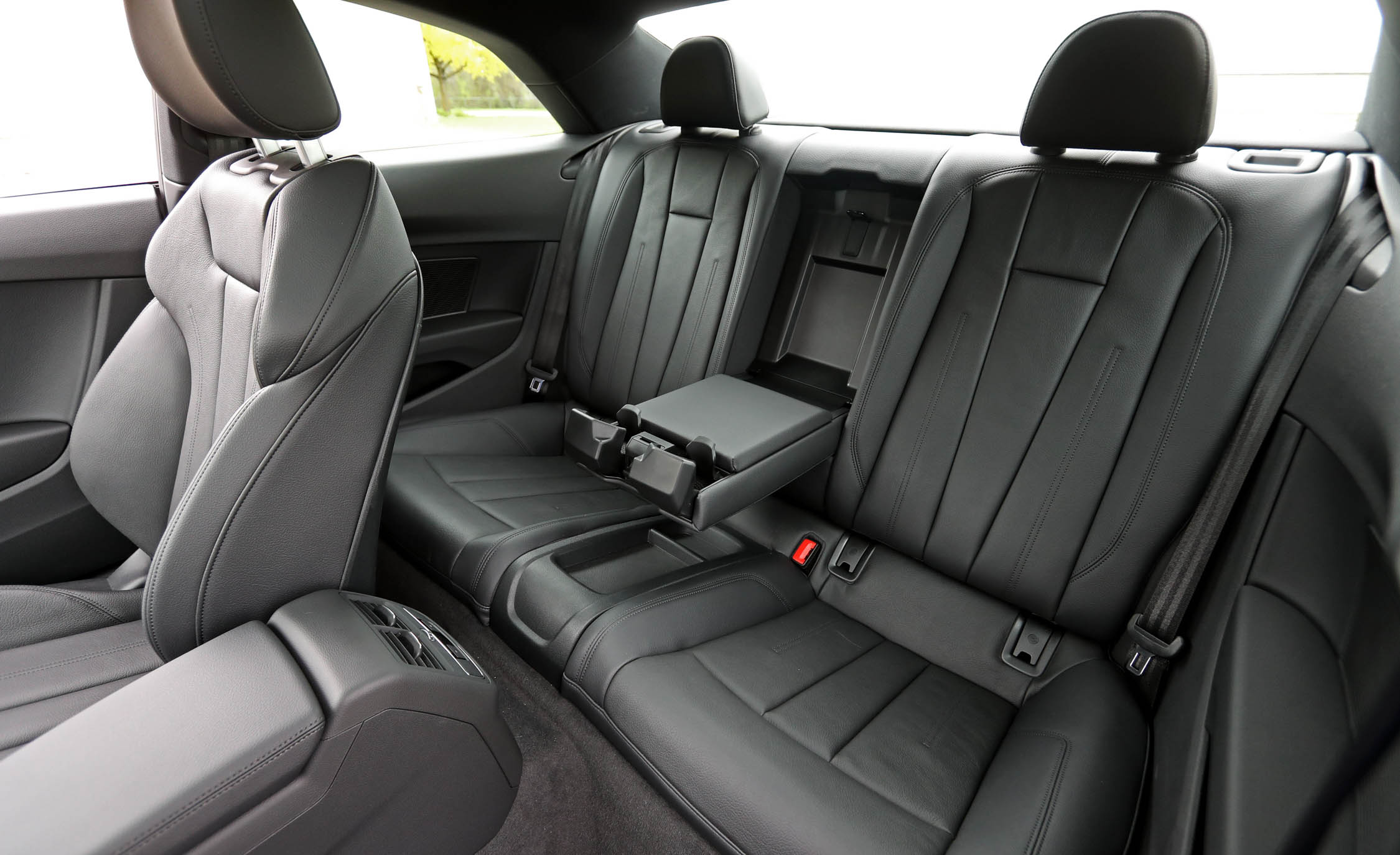 2018 Audi A5 Coupe Interior Seats Rear Armrest (Photo 31 of 50)