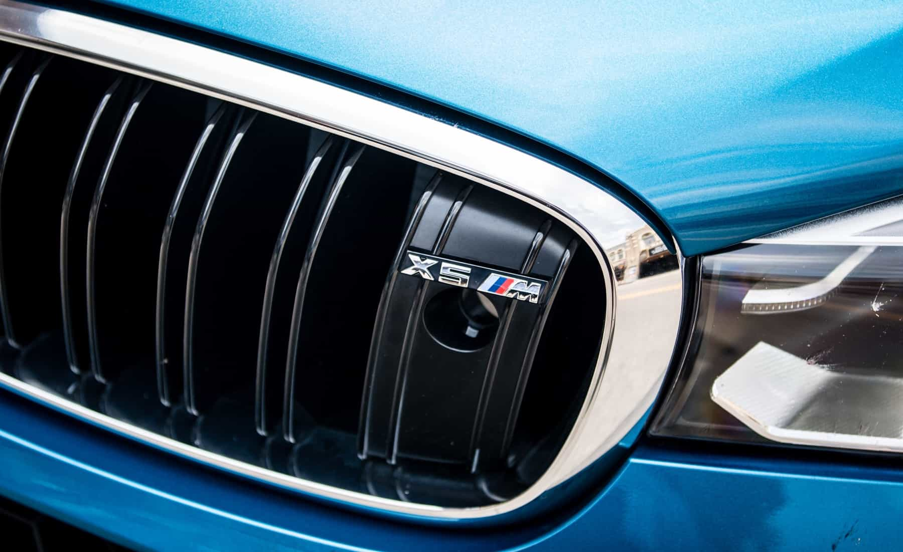 2017 BMW X5 M Exterior View Grille Badge (Photo 9 of 35)
