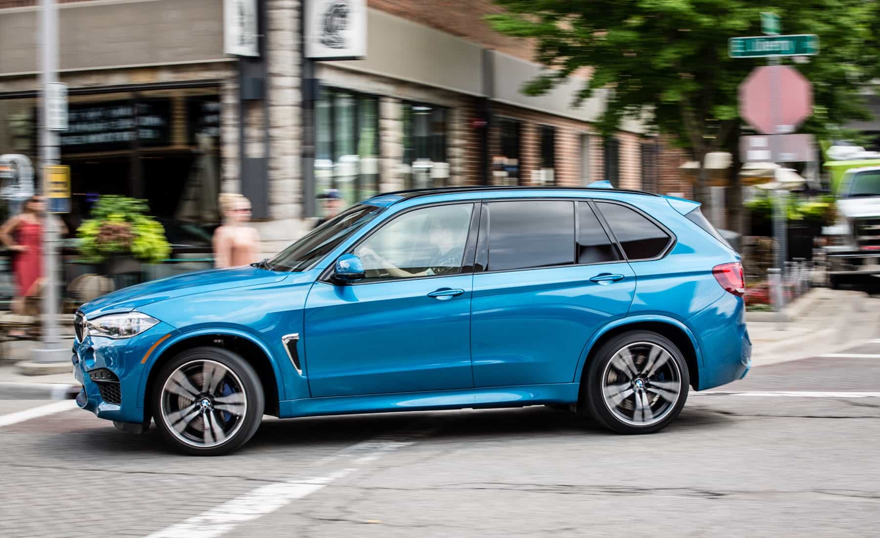 2017 BMW X5 M Test Drive Blue Metallic (Photo 30 of 35)