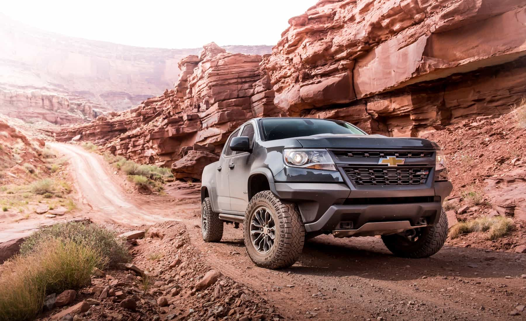 2017 Chevrolet Colorado ZR2 Crew Cab Diesel Exterior Front And Side (Photo 5 of 16)