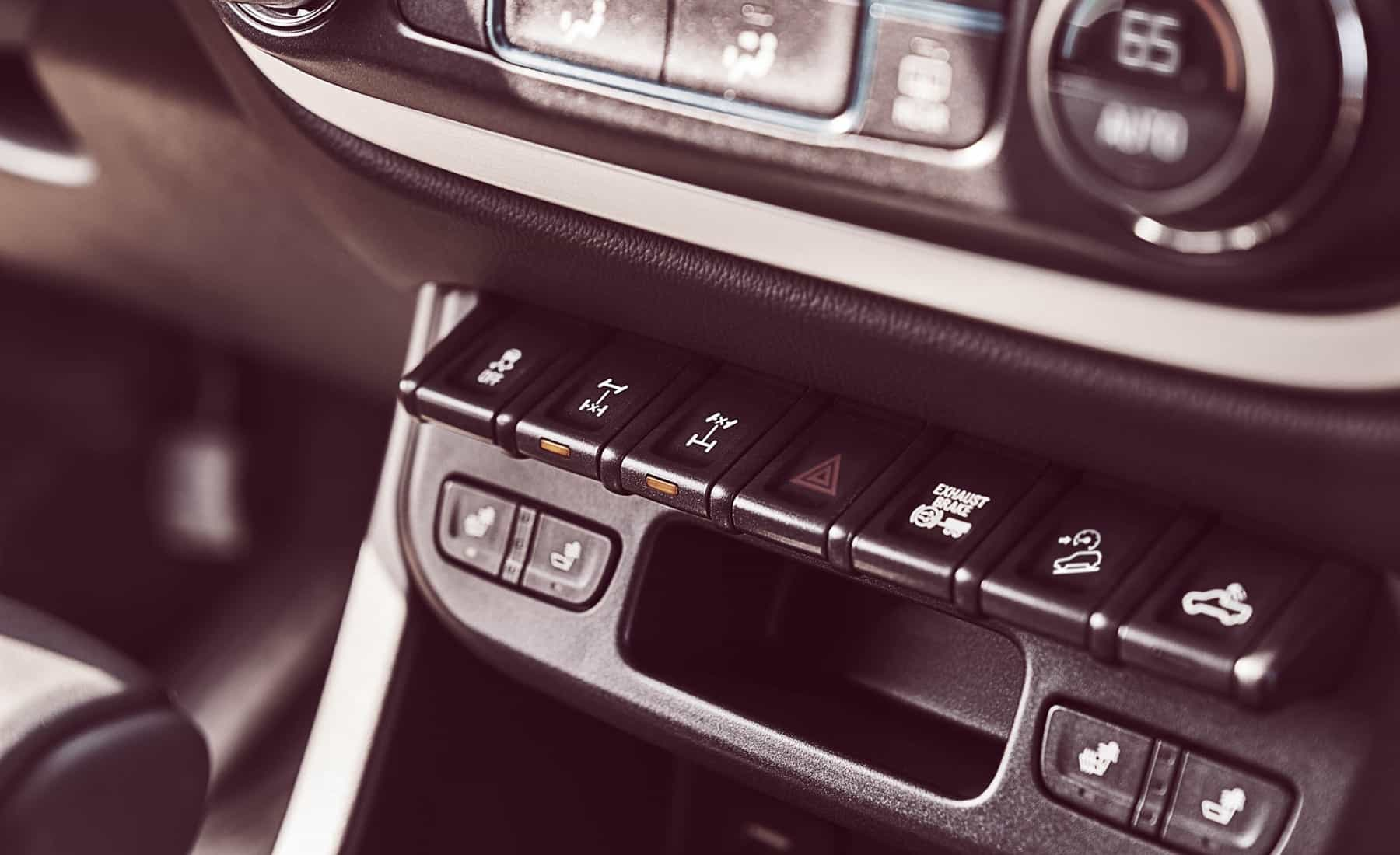 2017 Chevrolet Colorado ZR2 Crew Cab Diesel Interior View Control Instrument (View 8 of 16)