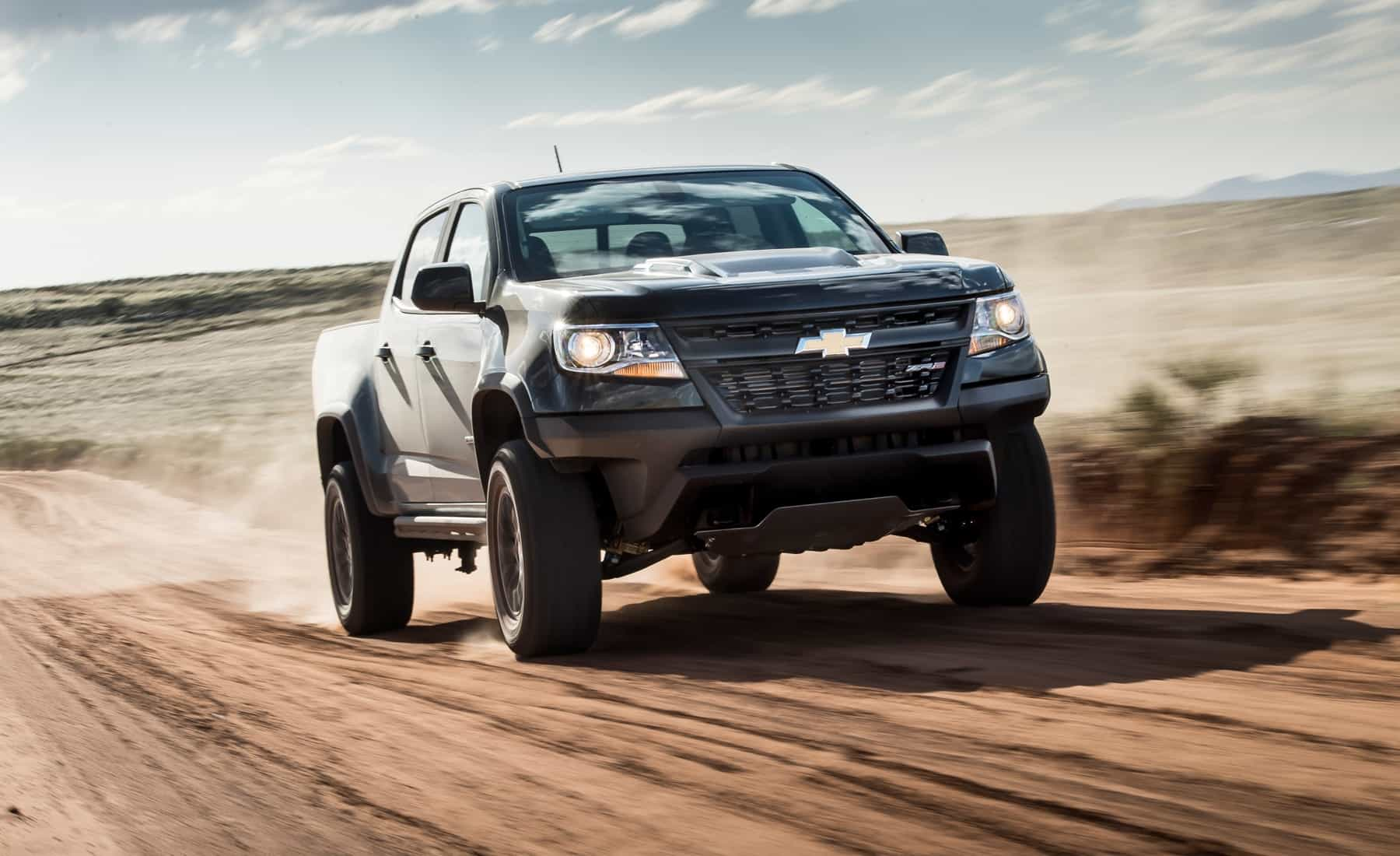2017 Chevrolet Colorado ZR2 Crew Cab Diesel Test Drive Front View (Photo 10 of 16)