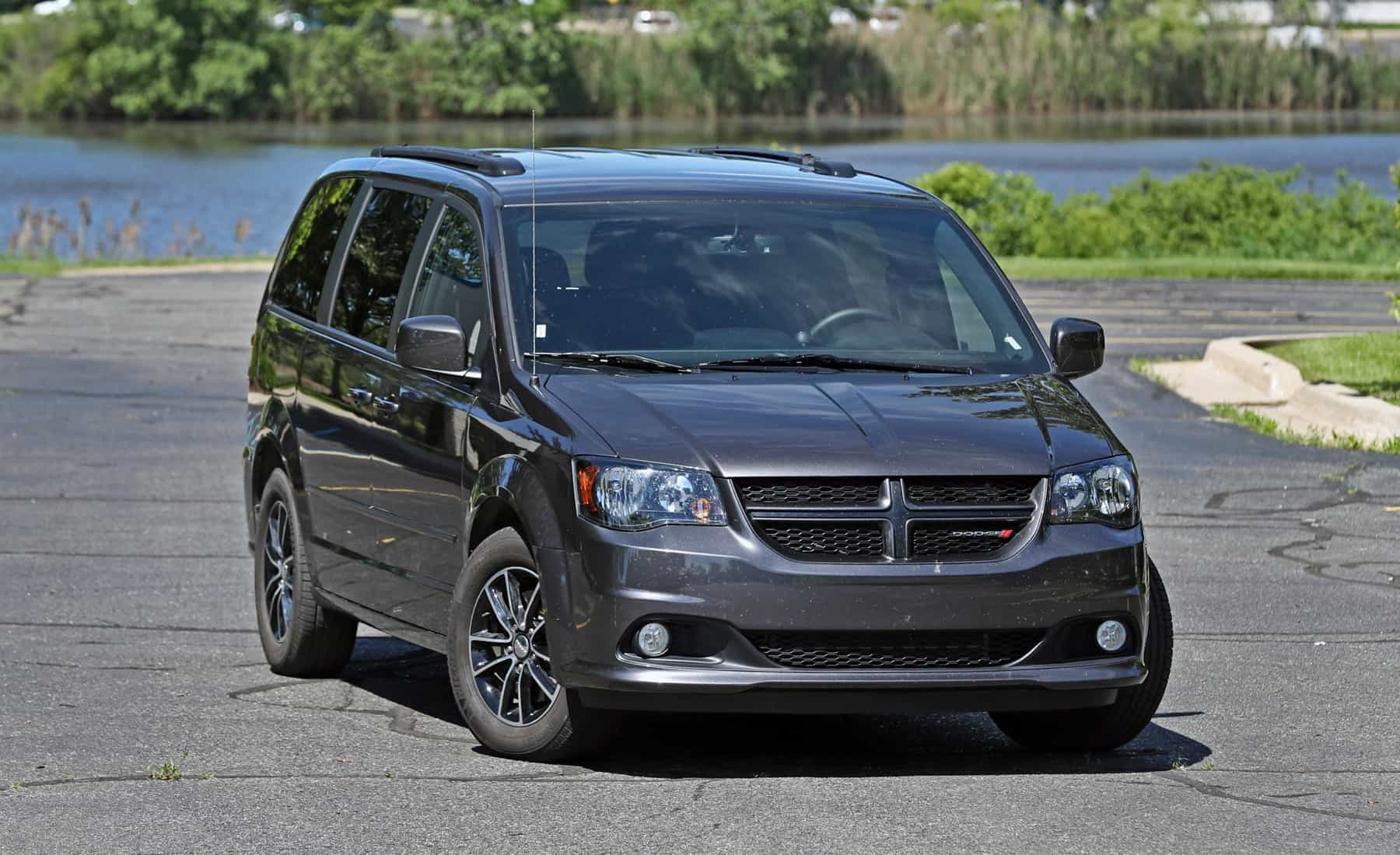 2017 Dodge Grand Caravan Exterior Front (View 47 of 47)
