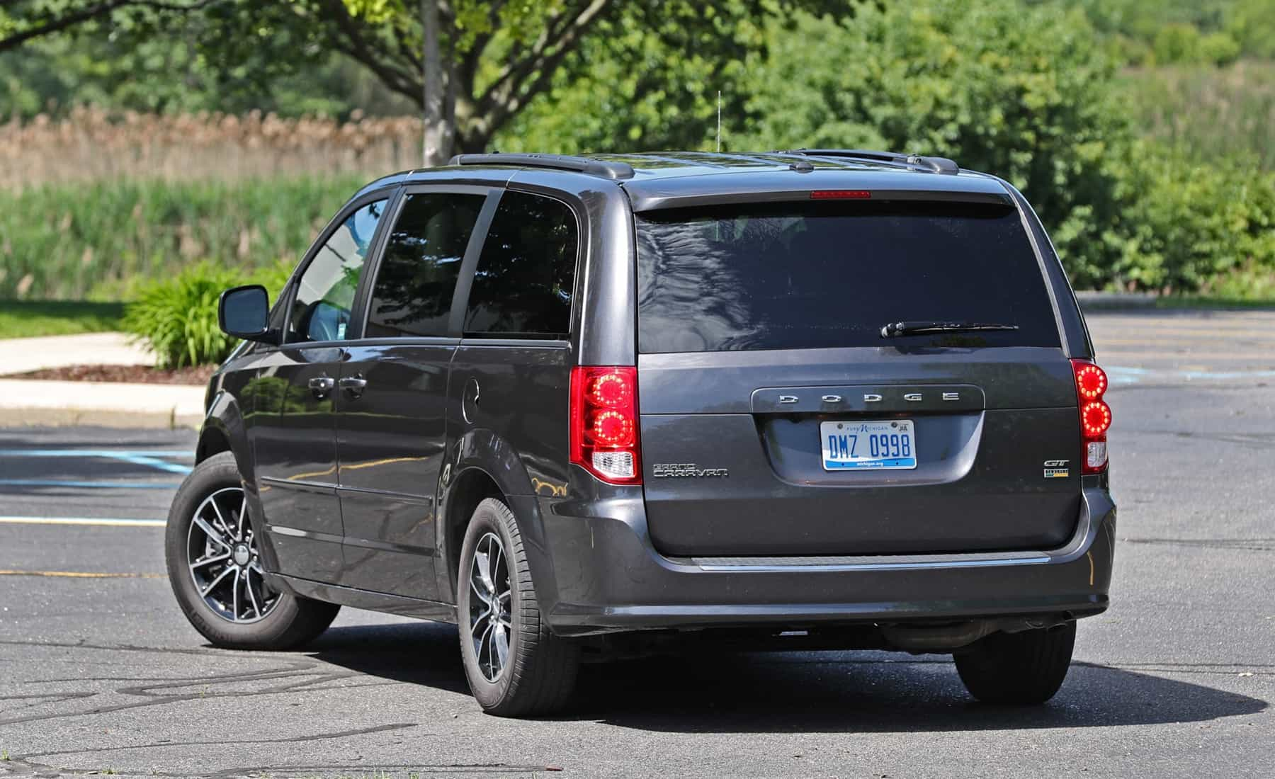 2017 Dodge Grand Caravan Exterior Rear (Photo 6 of 47)