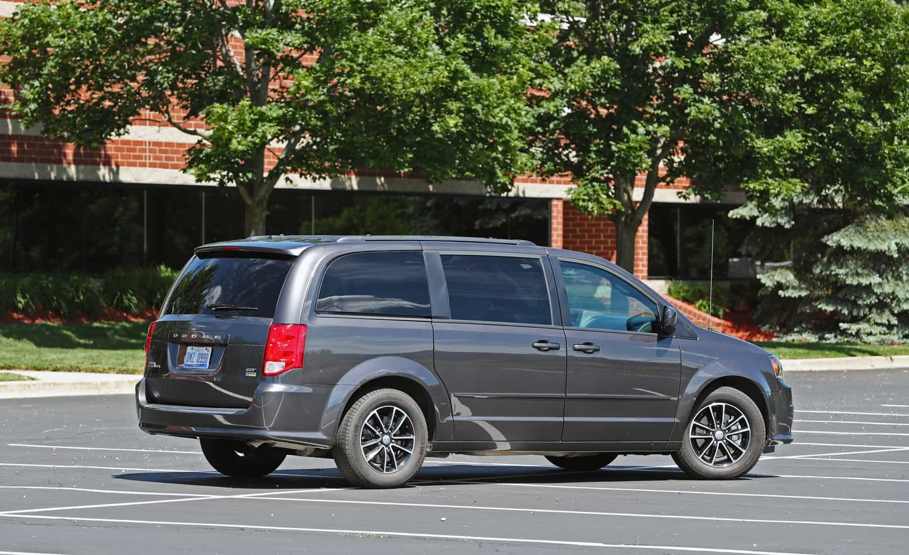 2017 Dodge Grand Caravan Exterior Side And Rear (Photo 9 of 47)