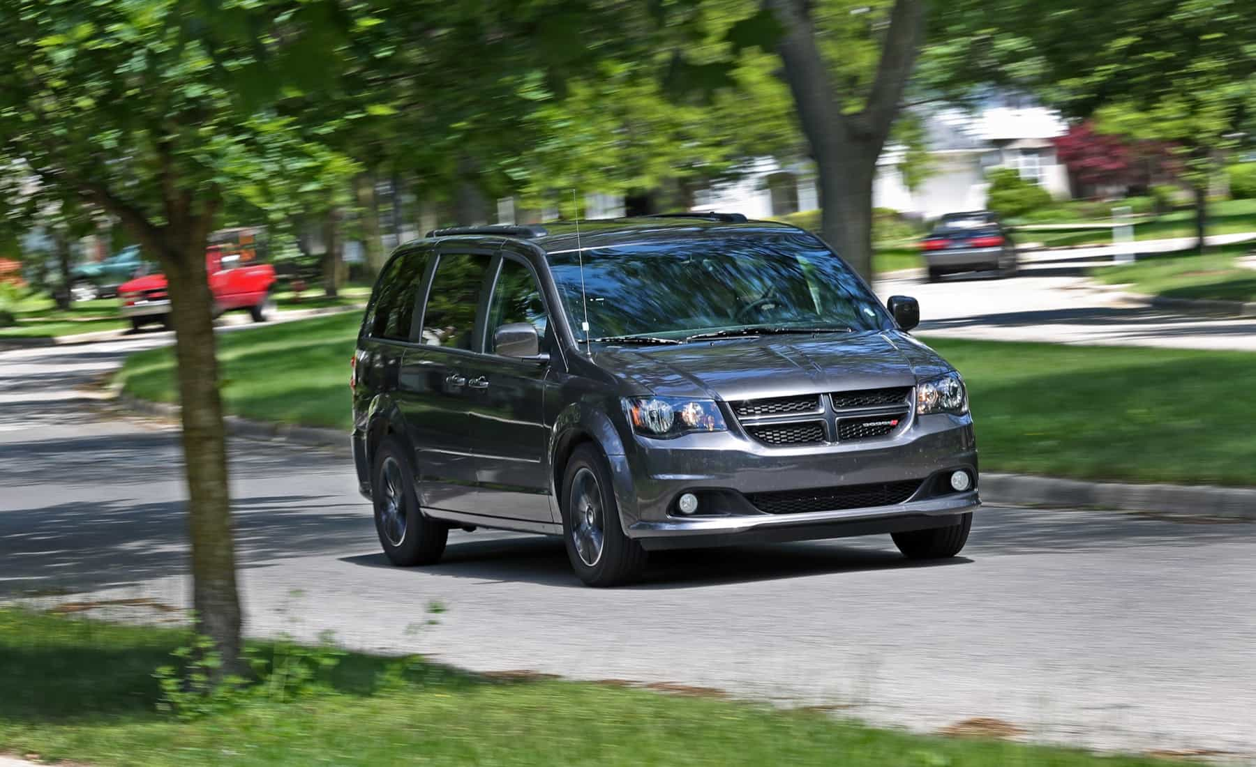 2017 Dodge Grand Caravan Test Drive Front View (Photo 39 of 47)