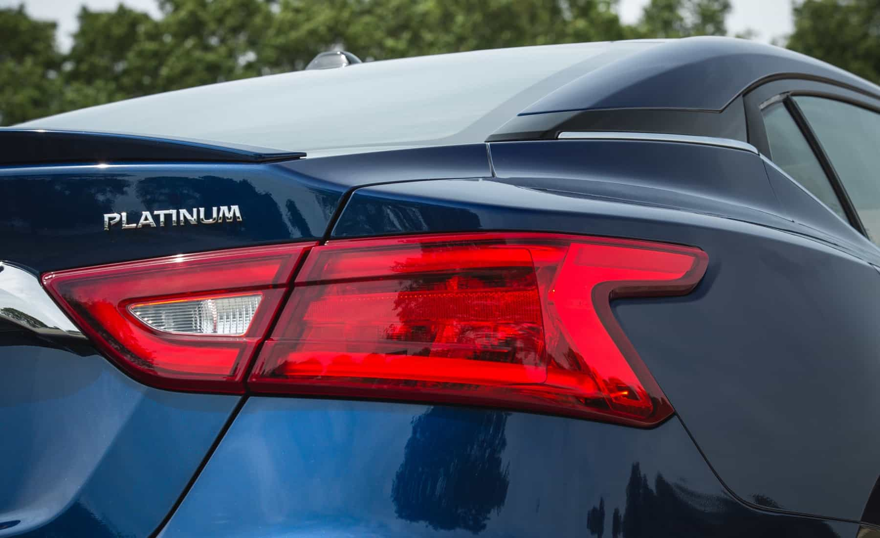 2017 Nissan Maxima Exterior View Taillight (Photo 11 of 40)