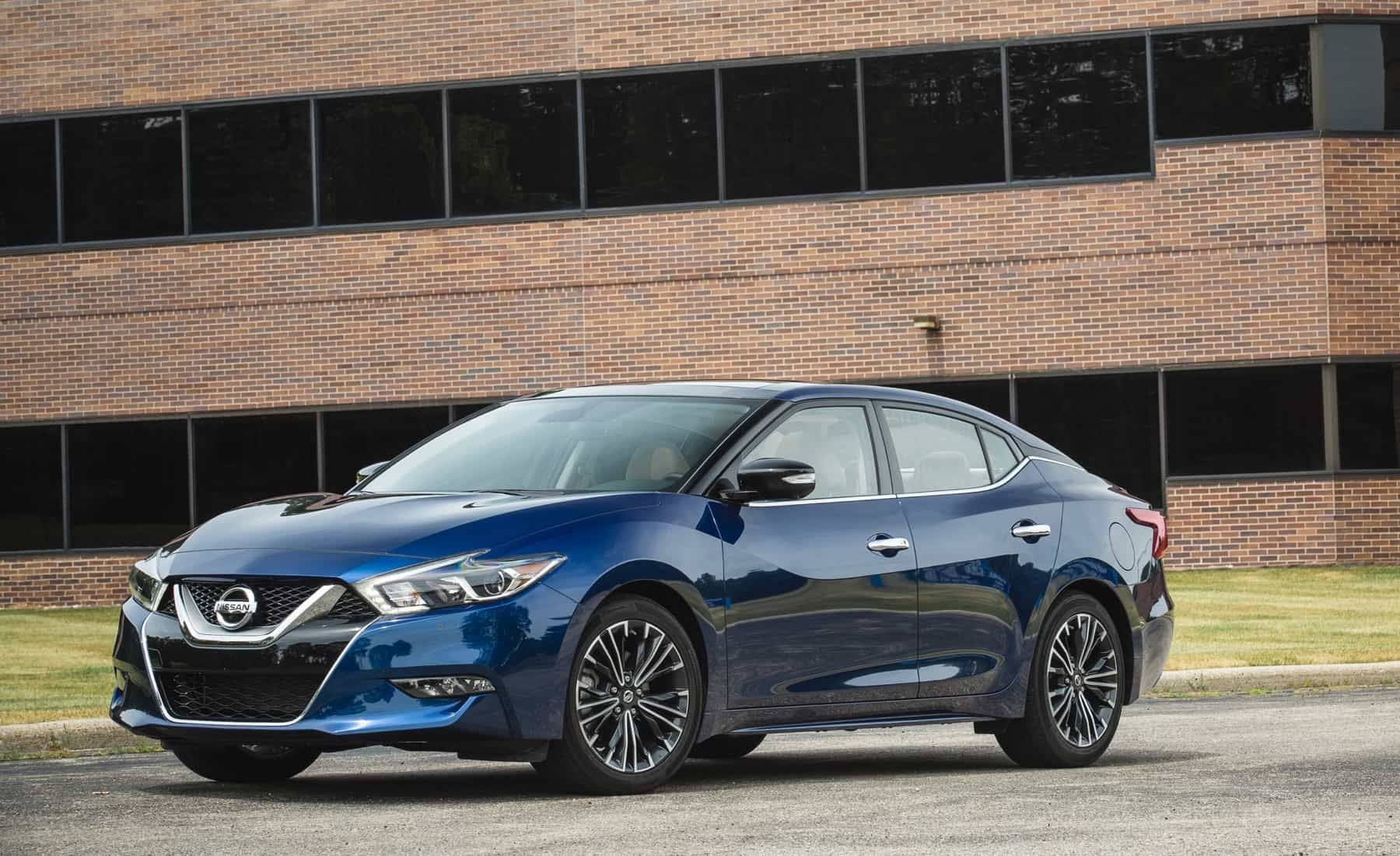 Featured Image of 2017 Nissan Maxima